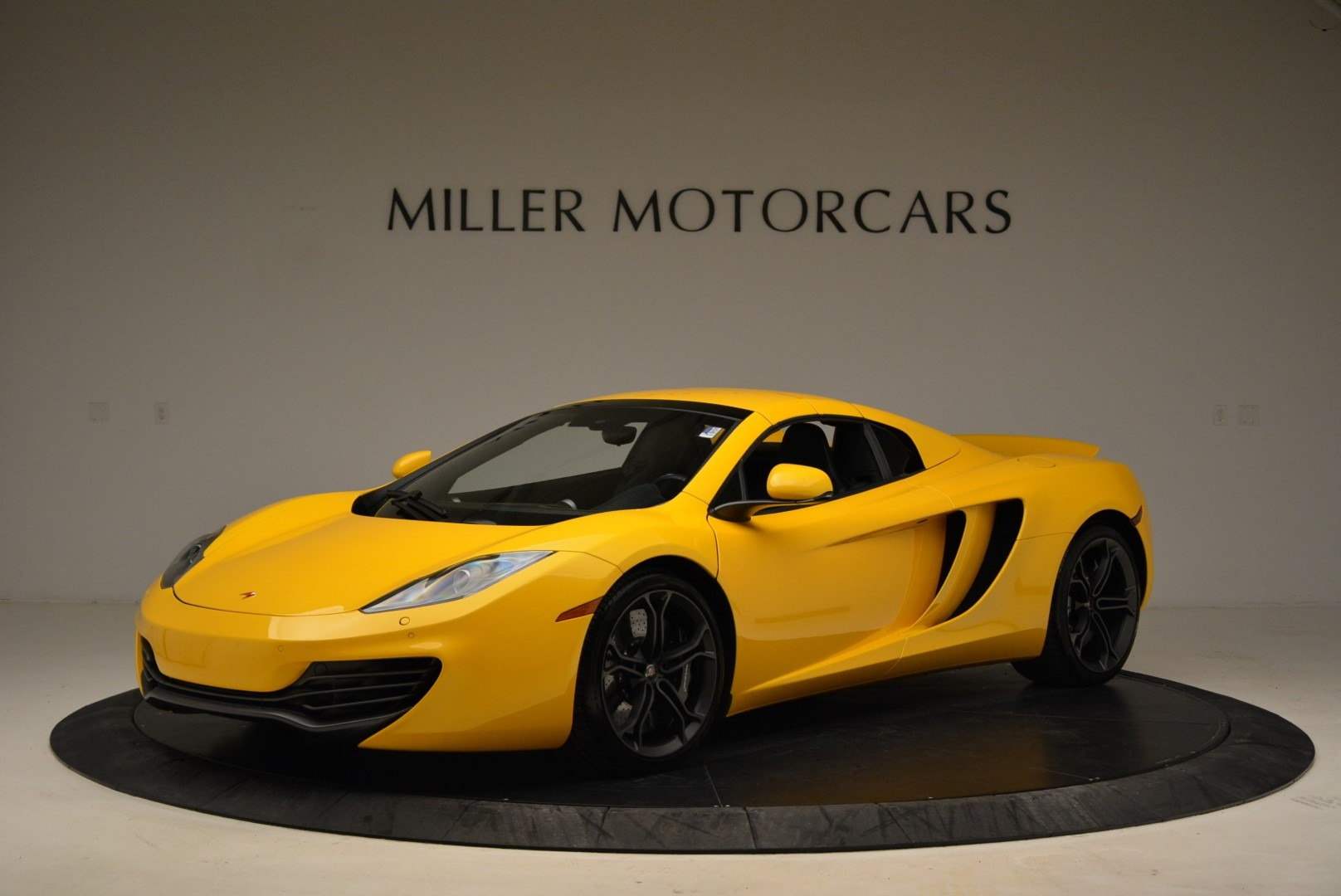 Used 2014 McLaren MP4-12C Spider For Sale In Greenwich, CT 2057_p15