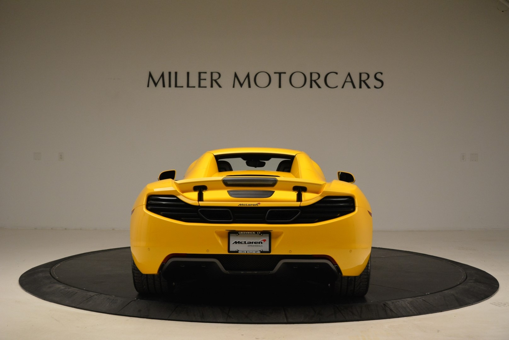Used 2014 McLaren MP4-12C Spider For Sale In Greenwich, CT 2057_p18