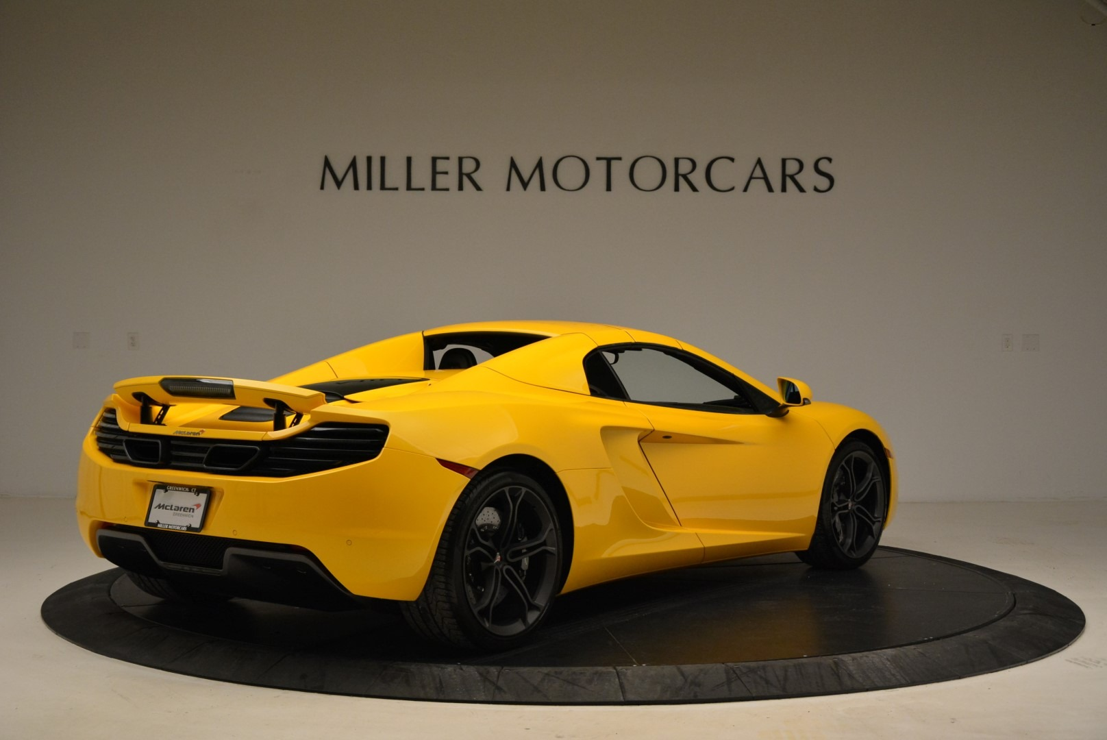 Used 2014 McLaren MP4-12C Spider For Sale In Greenwich, CT 2057_p19