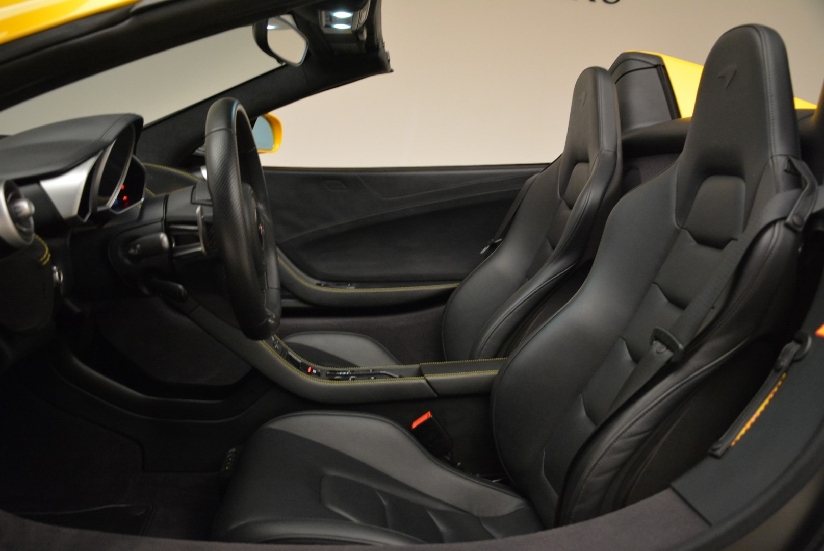 Used 2014 McLaren MP4-12C Spider For Sale In Greenwich, CT 2057_p26