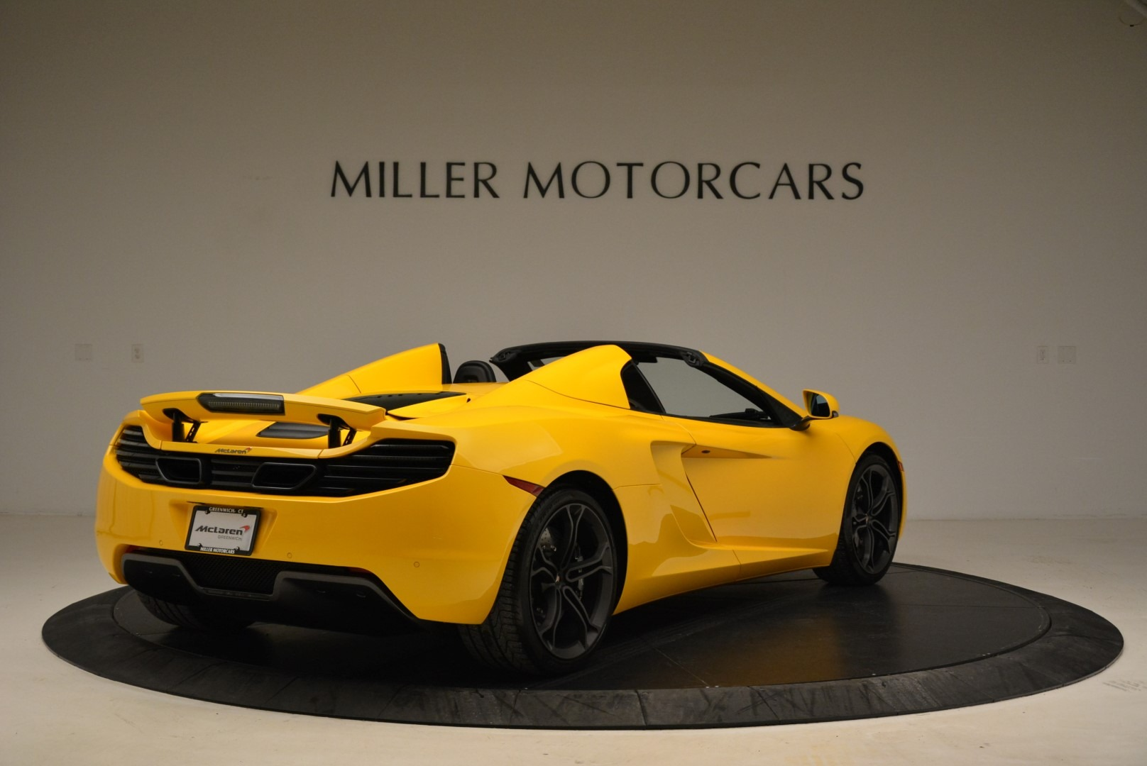 Used 2014 McLaren MP4-12C Spider For Sale In Greenwich, CT 2057_p7