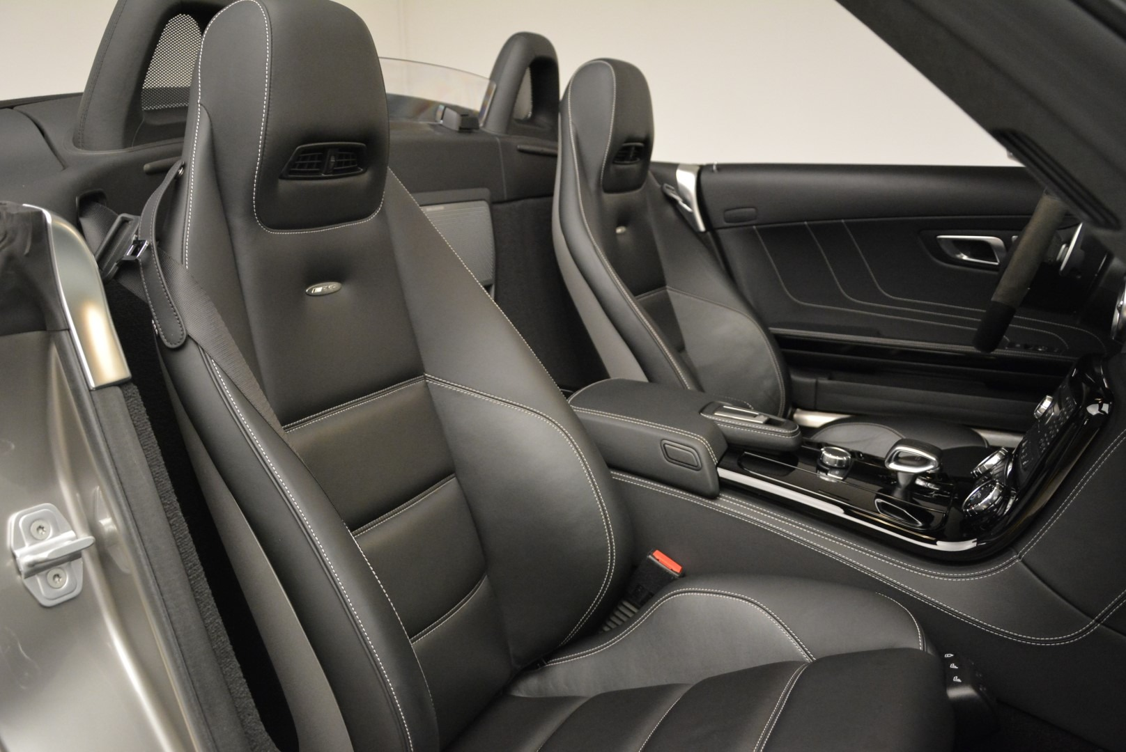 Used 2012 Mercedes-Benz SLS AMG  For Sale In Greenwich, CT 2068_p28