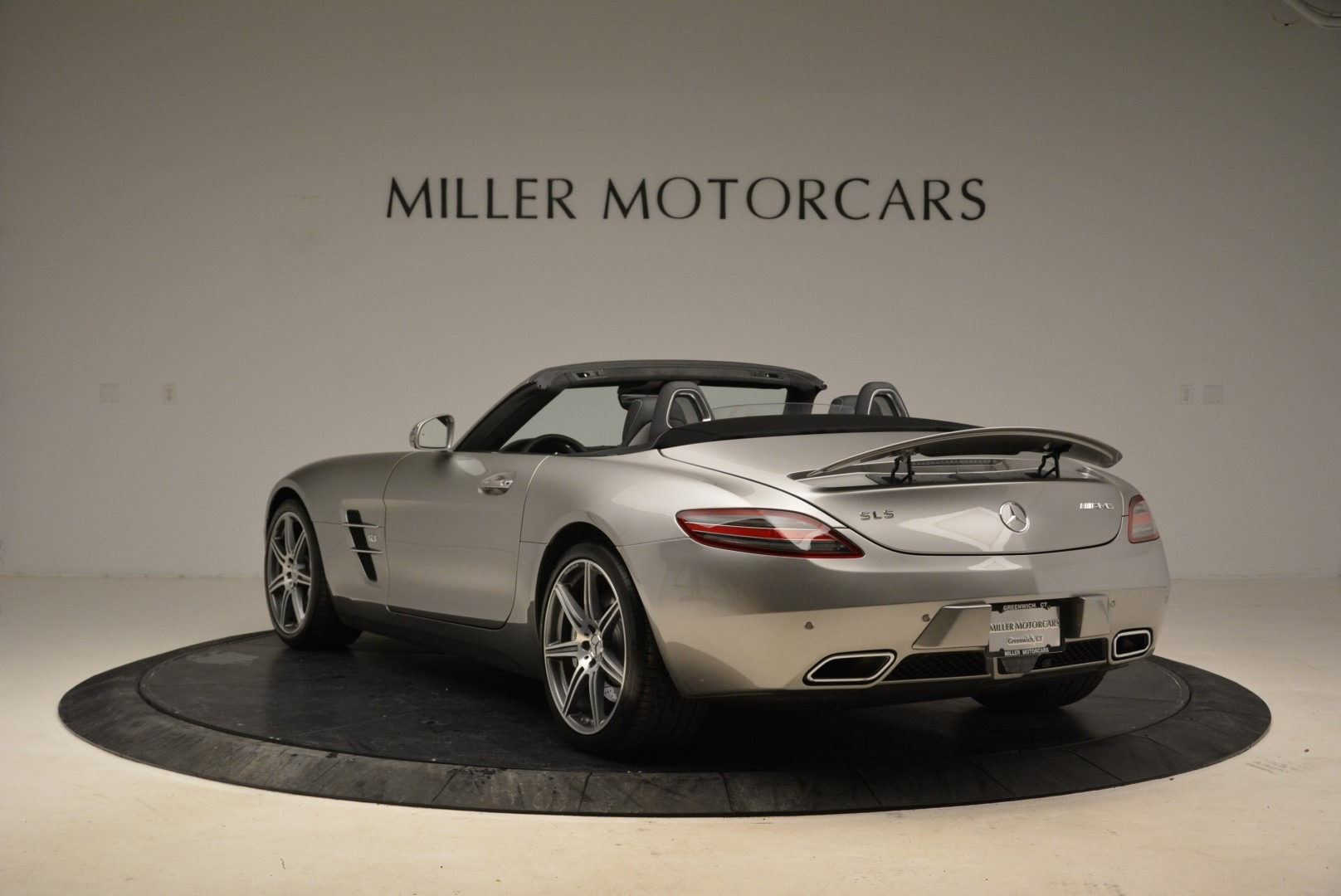 Used 2012 Mercedes-Benz SLS AMG  For Sale In Greenwich, CT 2068_p5