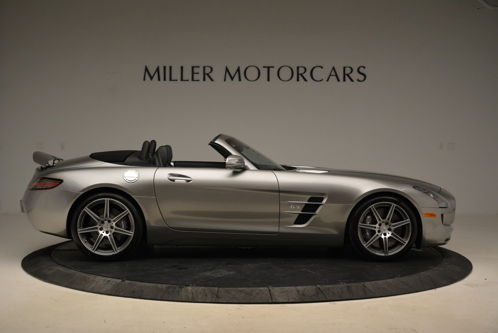 Used 2012 Mercedes-Benz SLS AMG  For Sale In Greenwich, CT 2068_p9