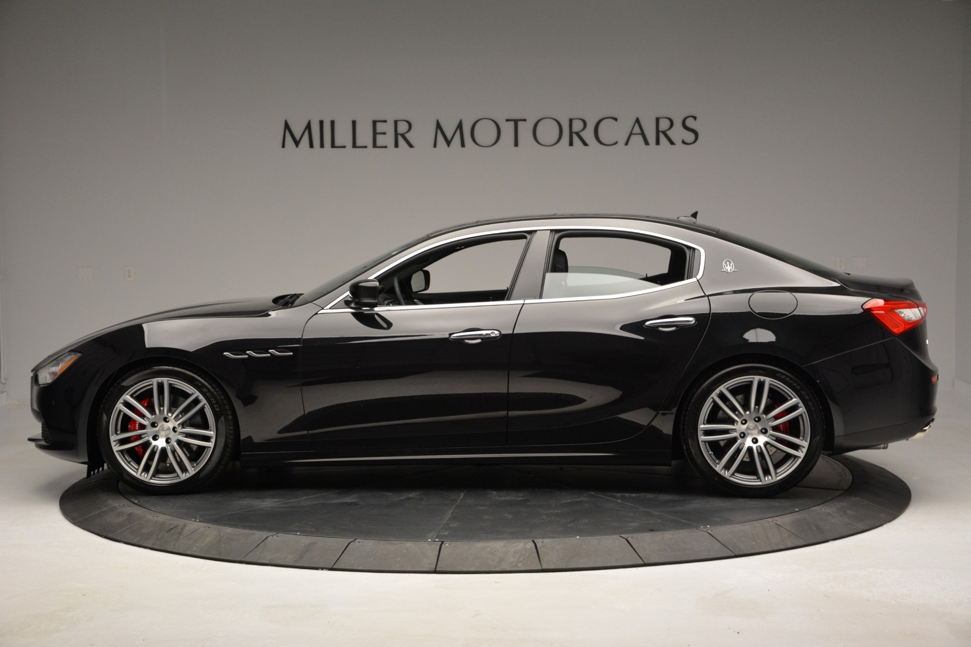 Used 2015 Maserati Ghibli S Q4 For Sale In Greenwich, CT 2070_p3