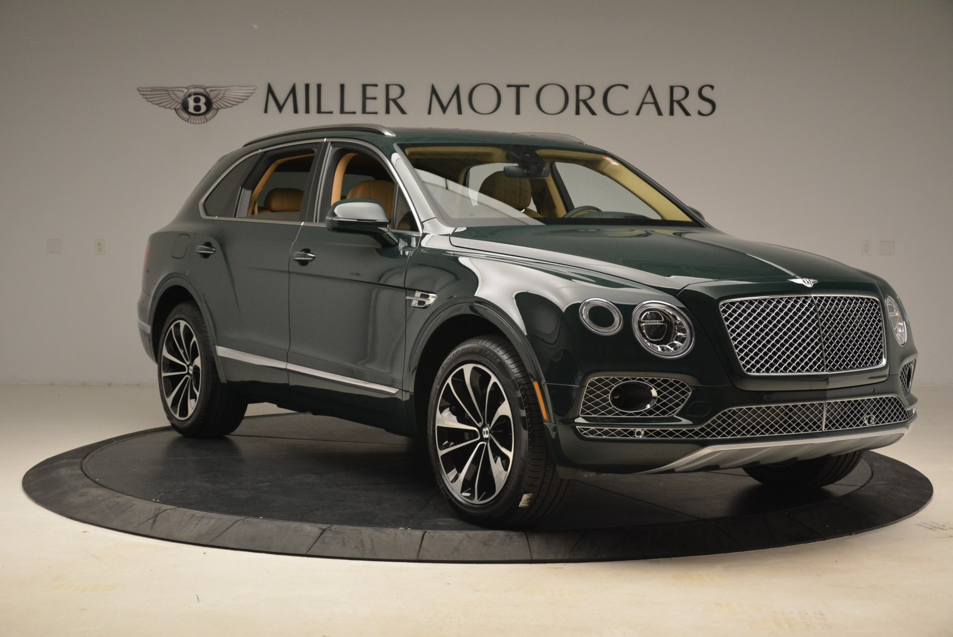 New 2018 Bentley Bentayga Signature For Sale In Greenwich, CT 2072_p11