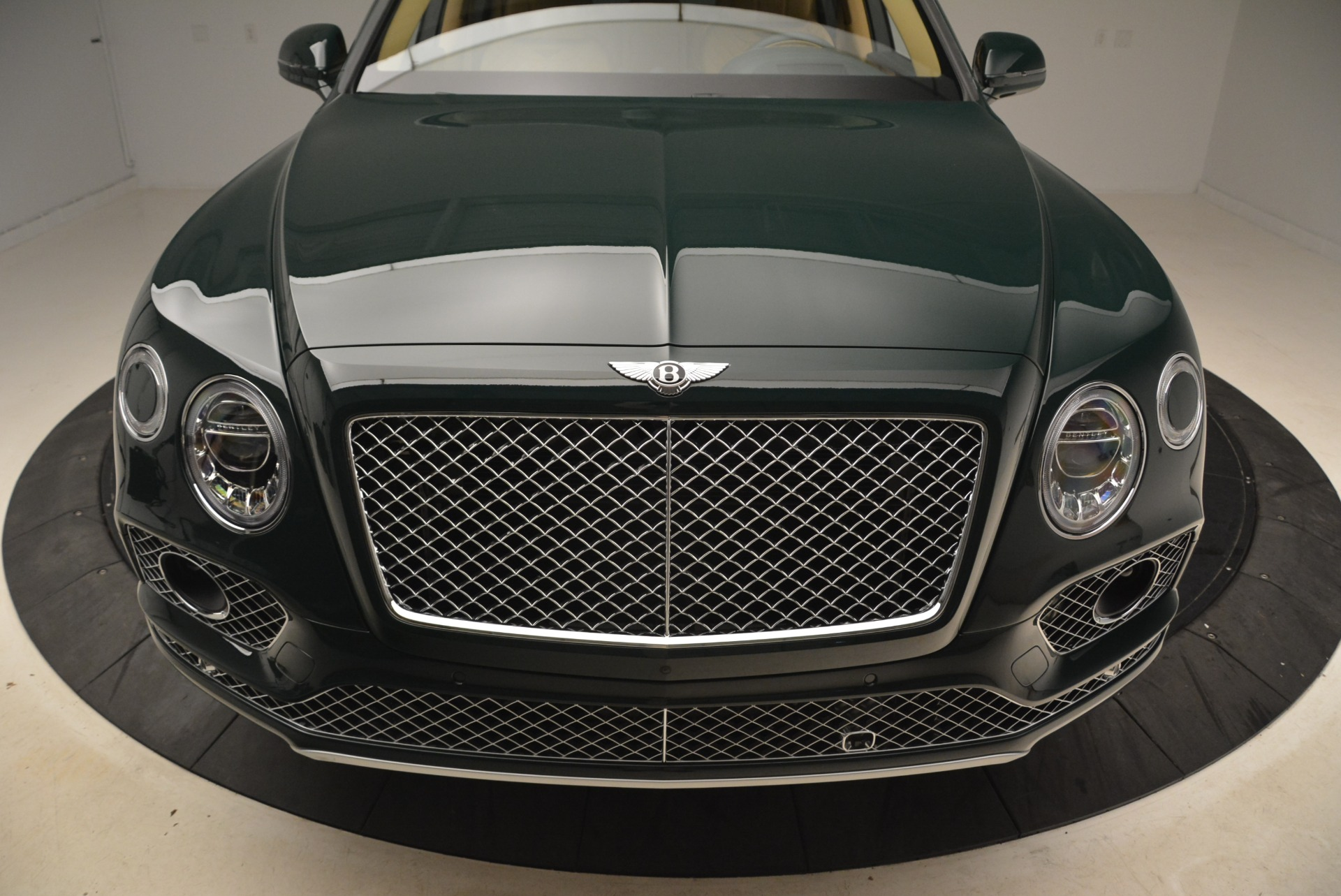New 2018 Bentley Bentayga Signature For Sale In Greenwich, CT 2072_p13