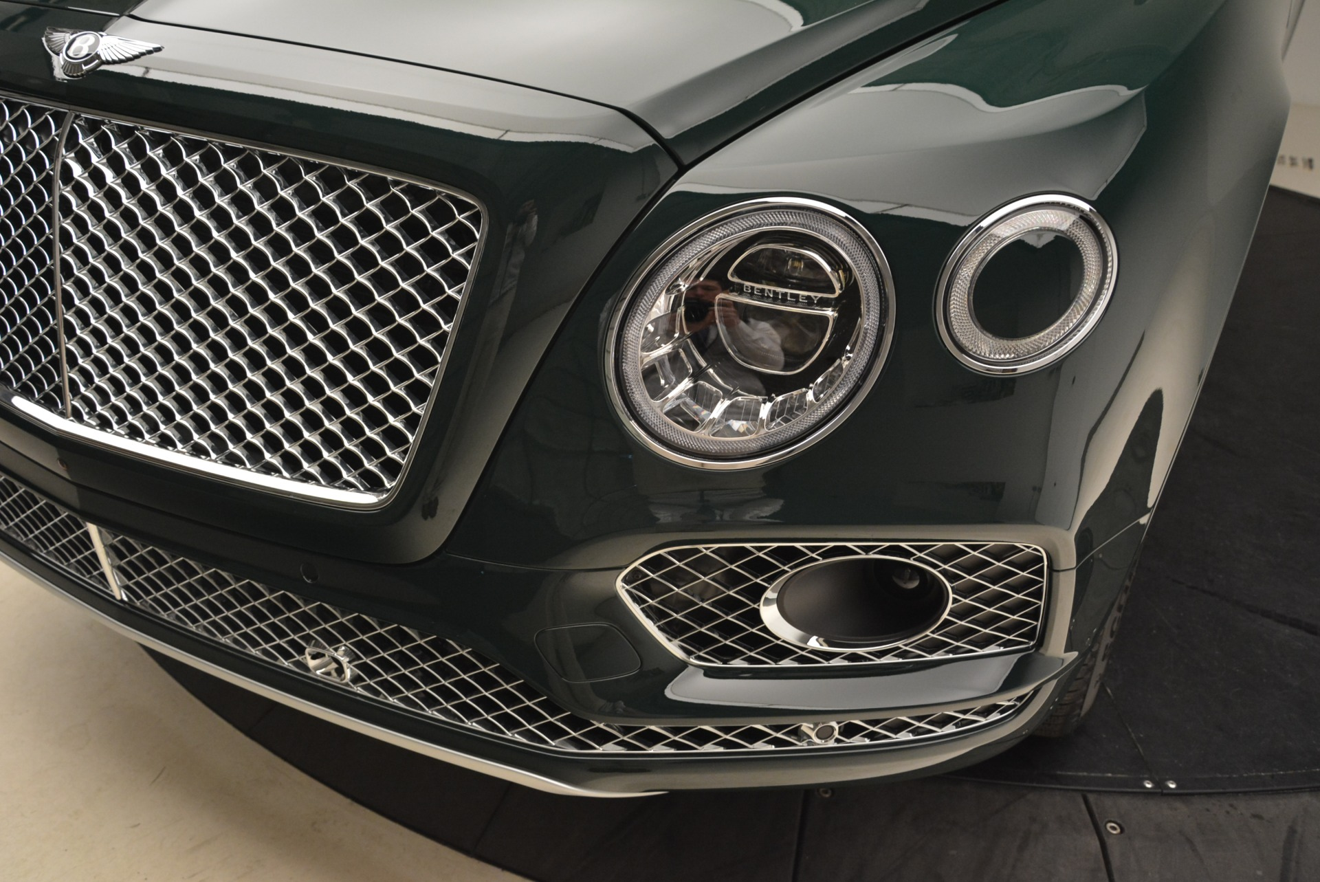 New 2018 Bentley Bentayga Signature For Sale In Greenwich, CT 2072_p14