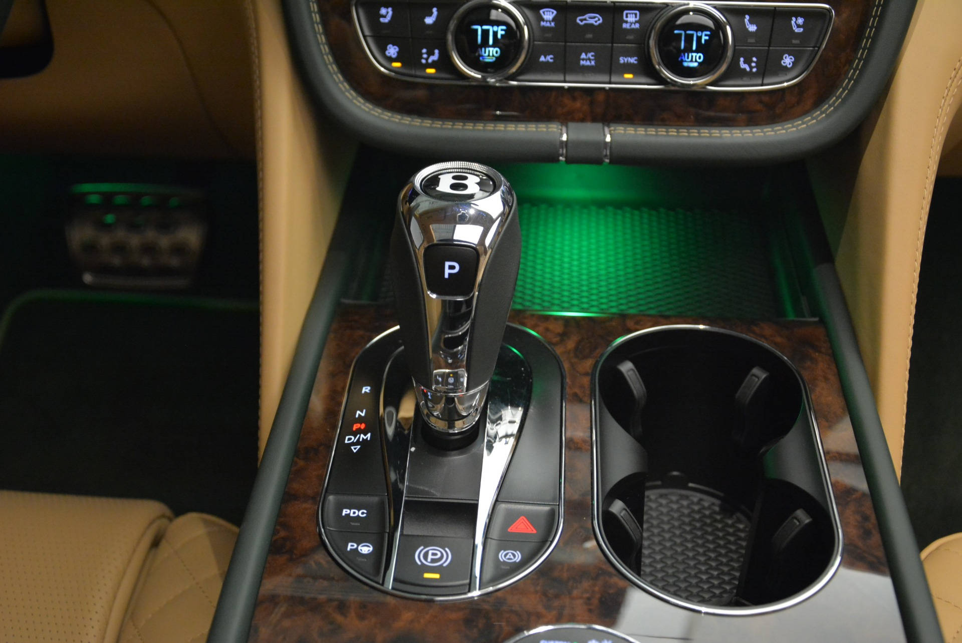 New 2018 Bentley Bentayga Signature For Sale In Greenwich, CT 2072_p47