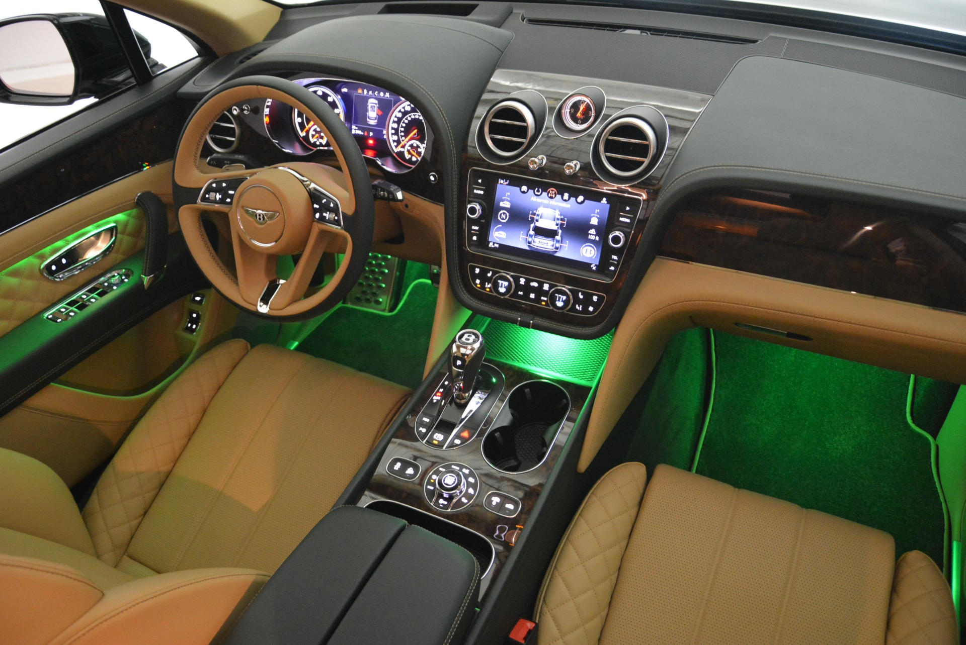 New 2018 Bentley Bentayga Signature For Sale In Greenwich, CT 2072_p49