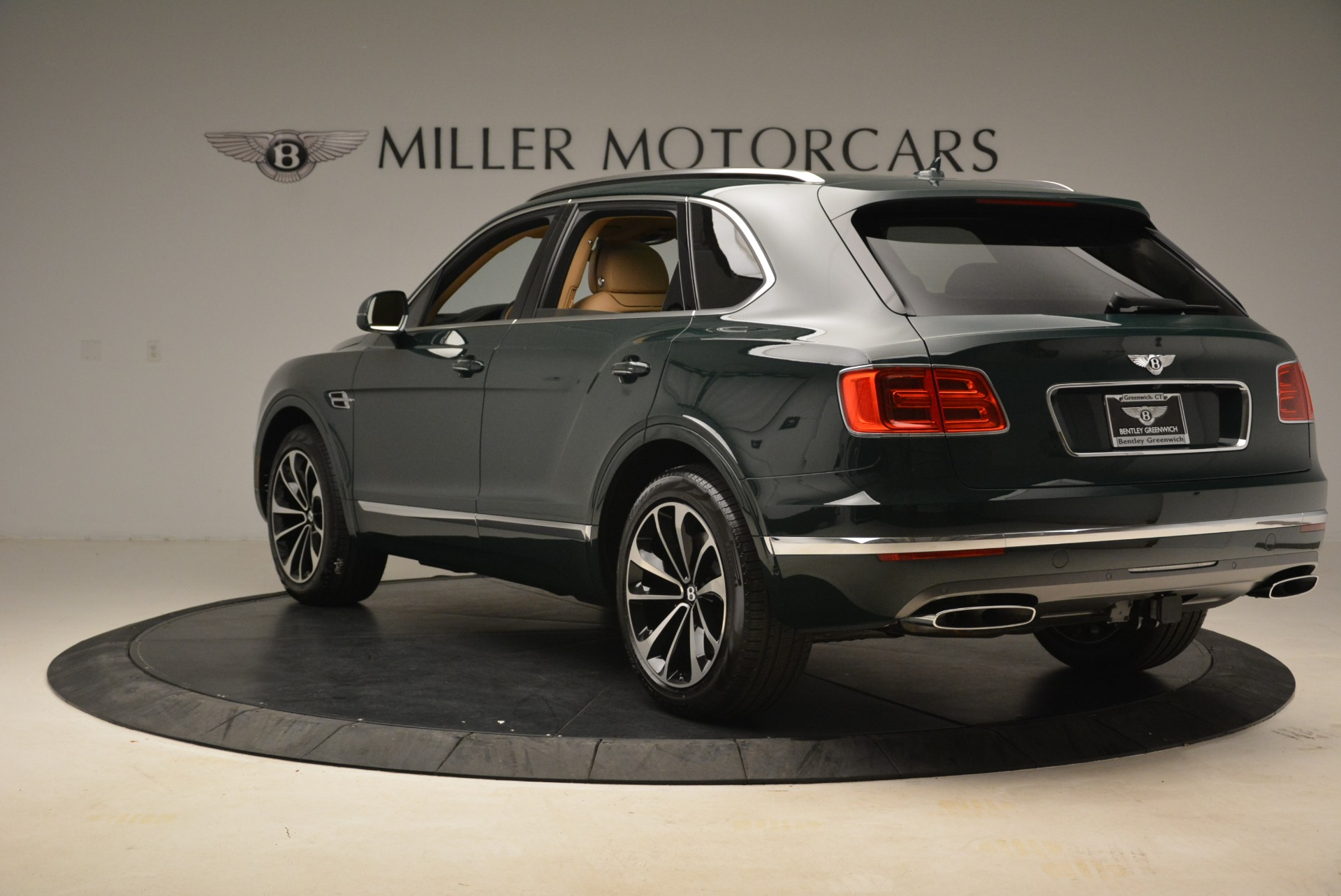 New 2018 Bentley Bentayga Signature For Sale In Greenwich, CT 2072_p5
