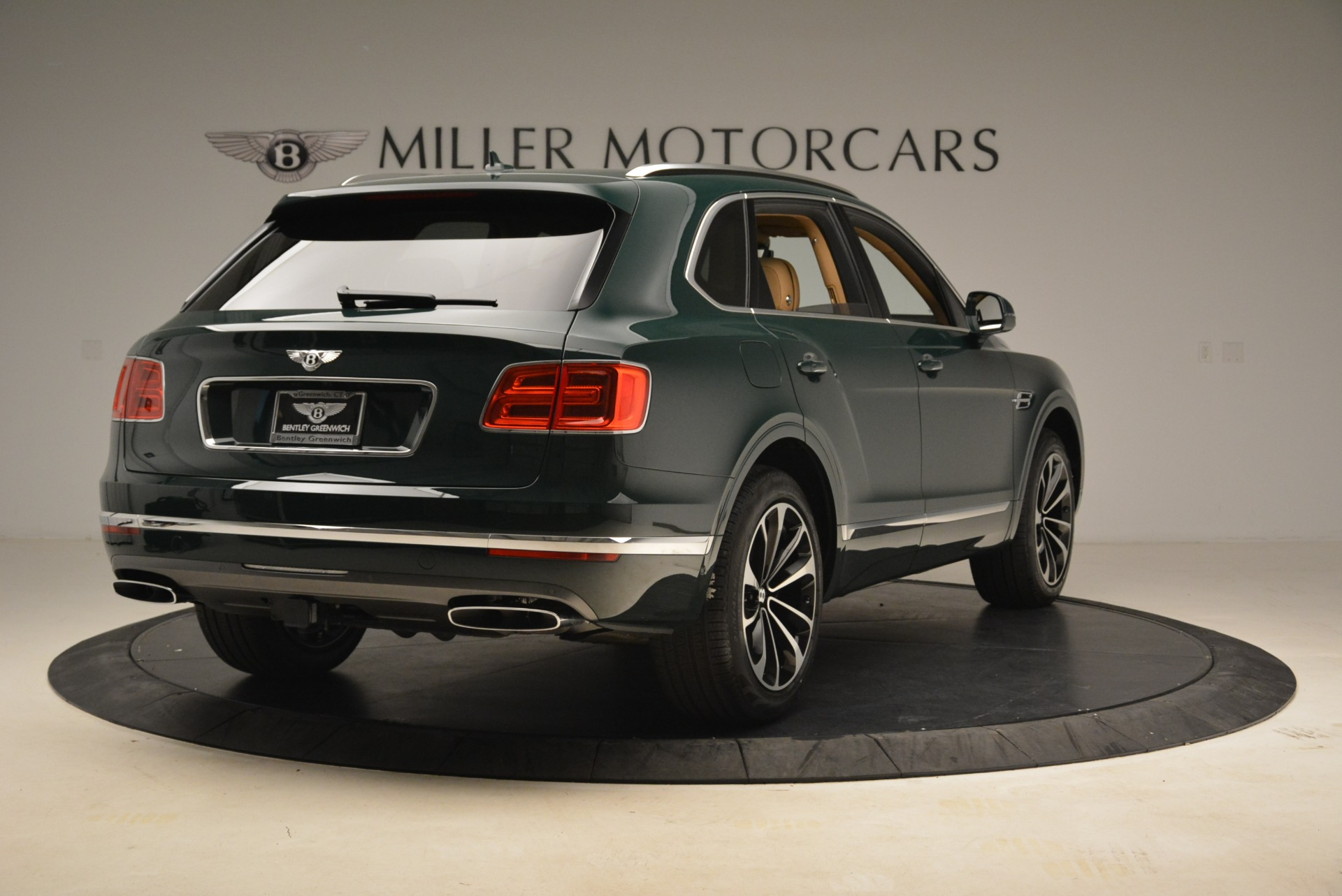 New 2018 Bentley Bentayga Signature For Sale In Greenwich, CT 2072_p7