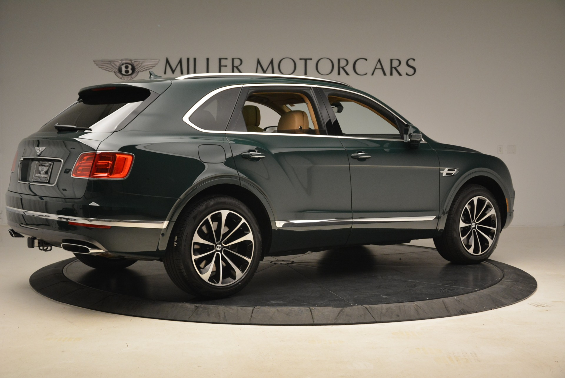 New 2018 Bentley Bentayga Signature For Sale In Greenwich, CT 2072_p8