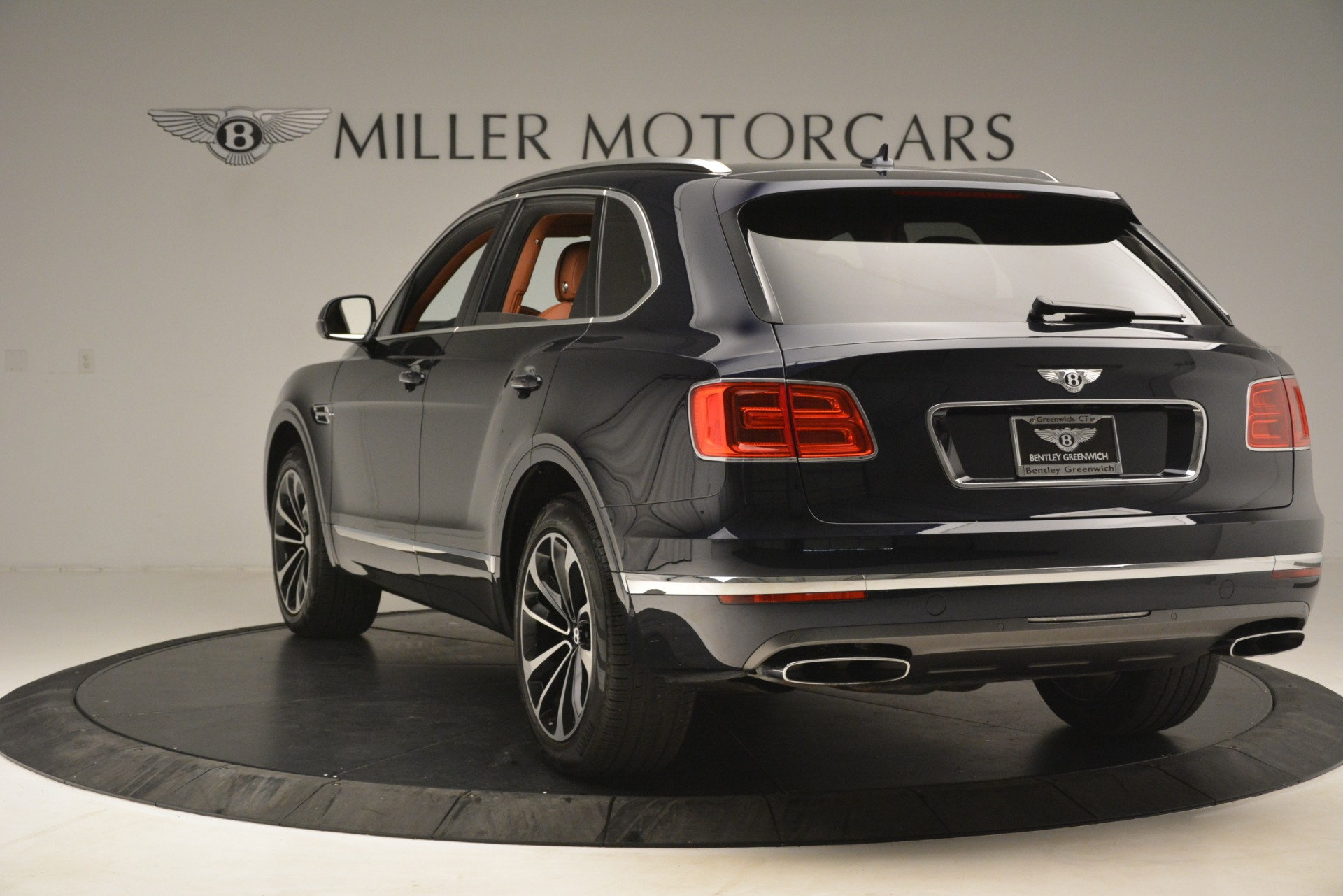 Used 2018 Bentley Bentayga Signature For Sale In Greenwich, CT 2076_p6