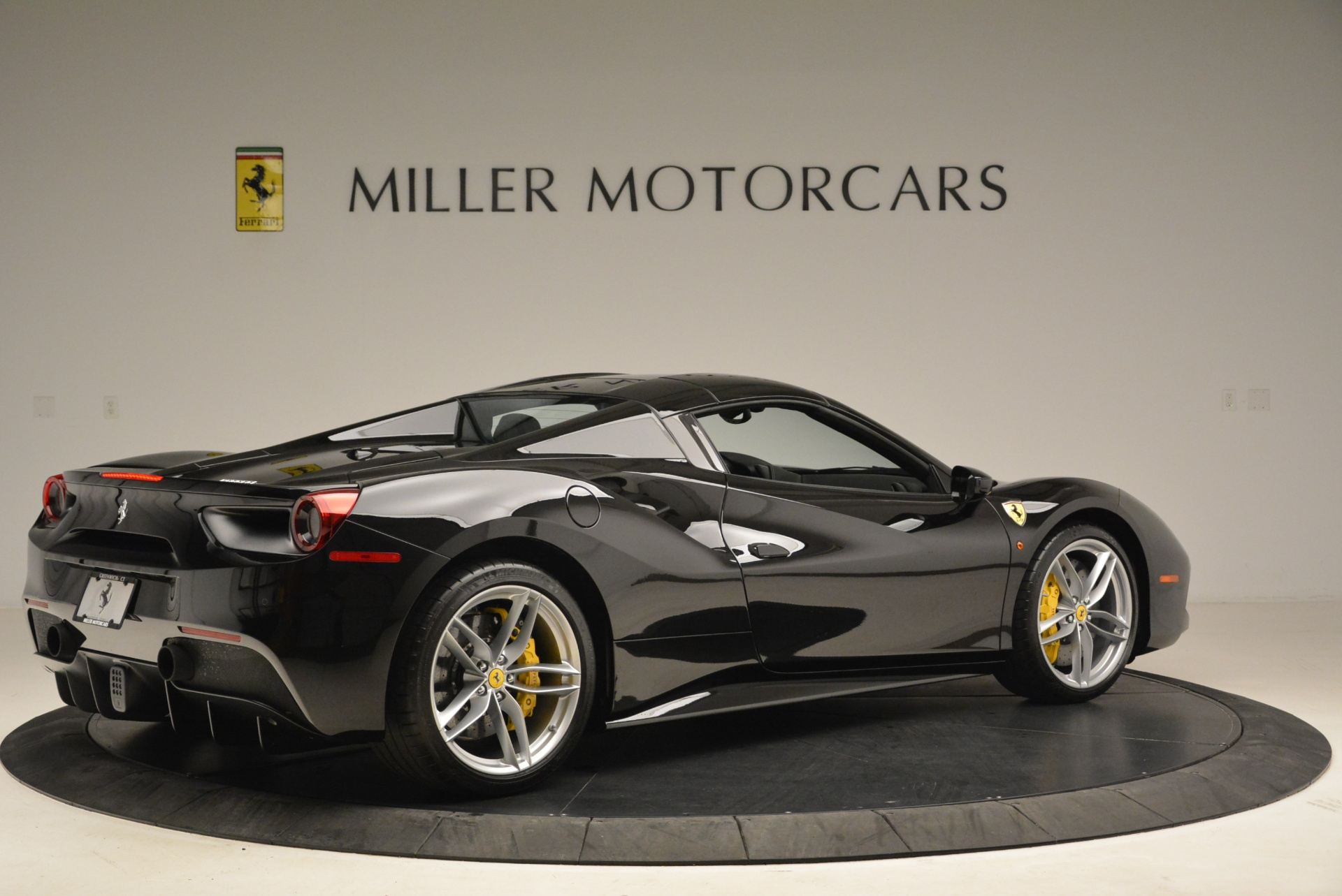 Used 2016 Ferrari 488 Spider  For Sale In Greenwich, CT 2078_p20