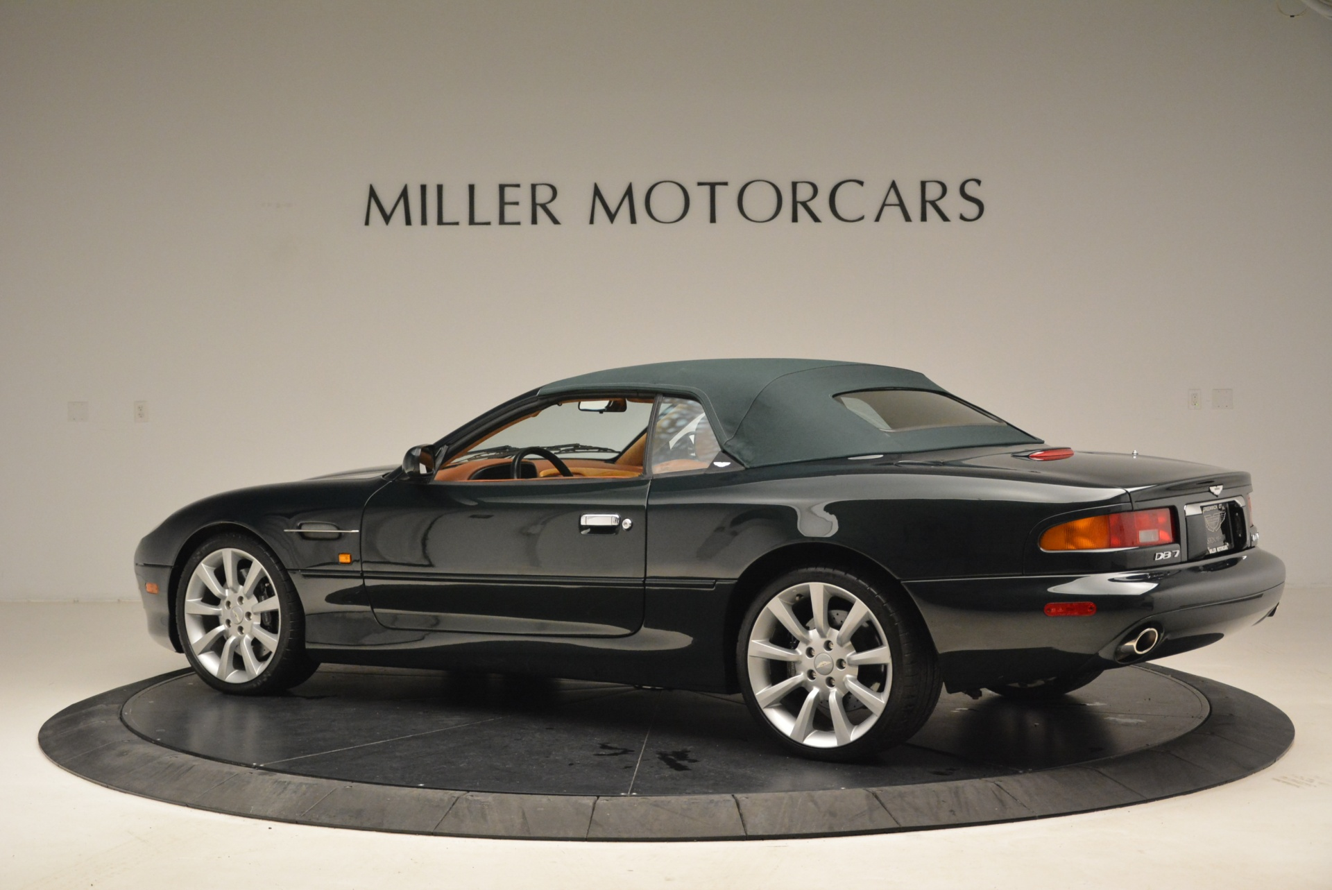 Used 2003 Aston Martin DB7 Vantage Volante For Sale In Greenwich, CT 2084_p16