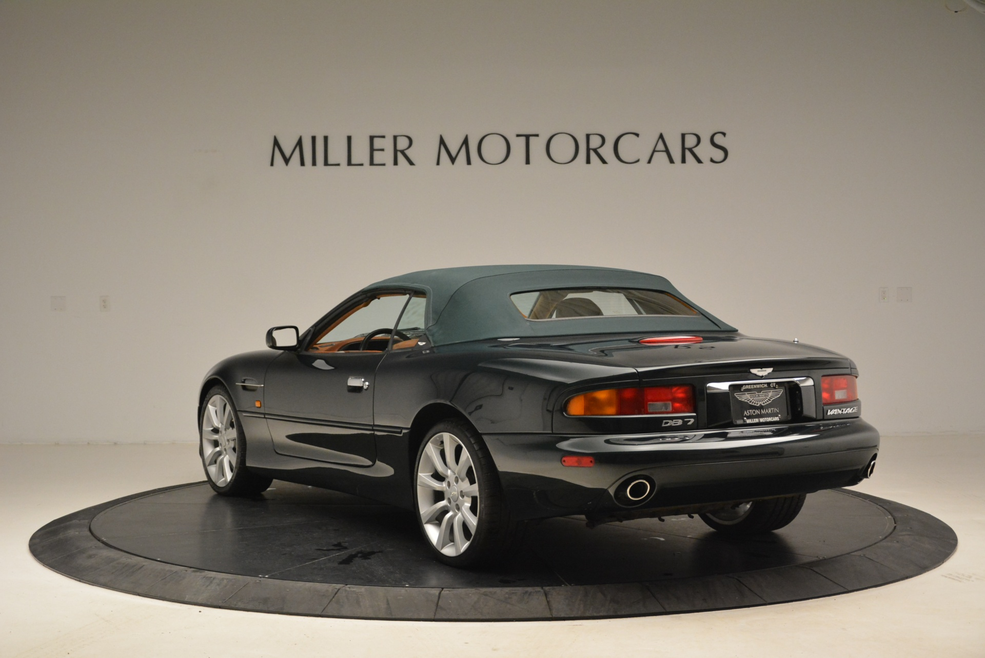 Used 2003 Aston Martin DB7 Vantage Volante For Sale In Greenwich, CT 2084_p17