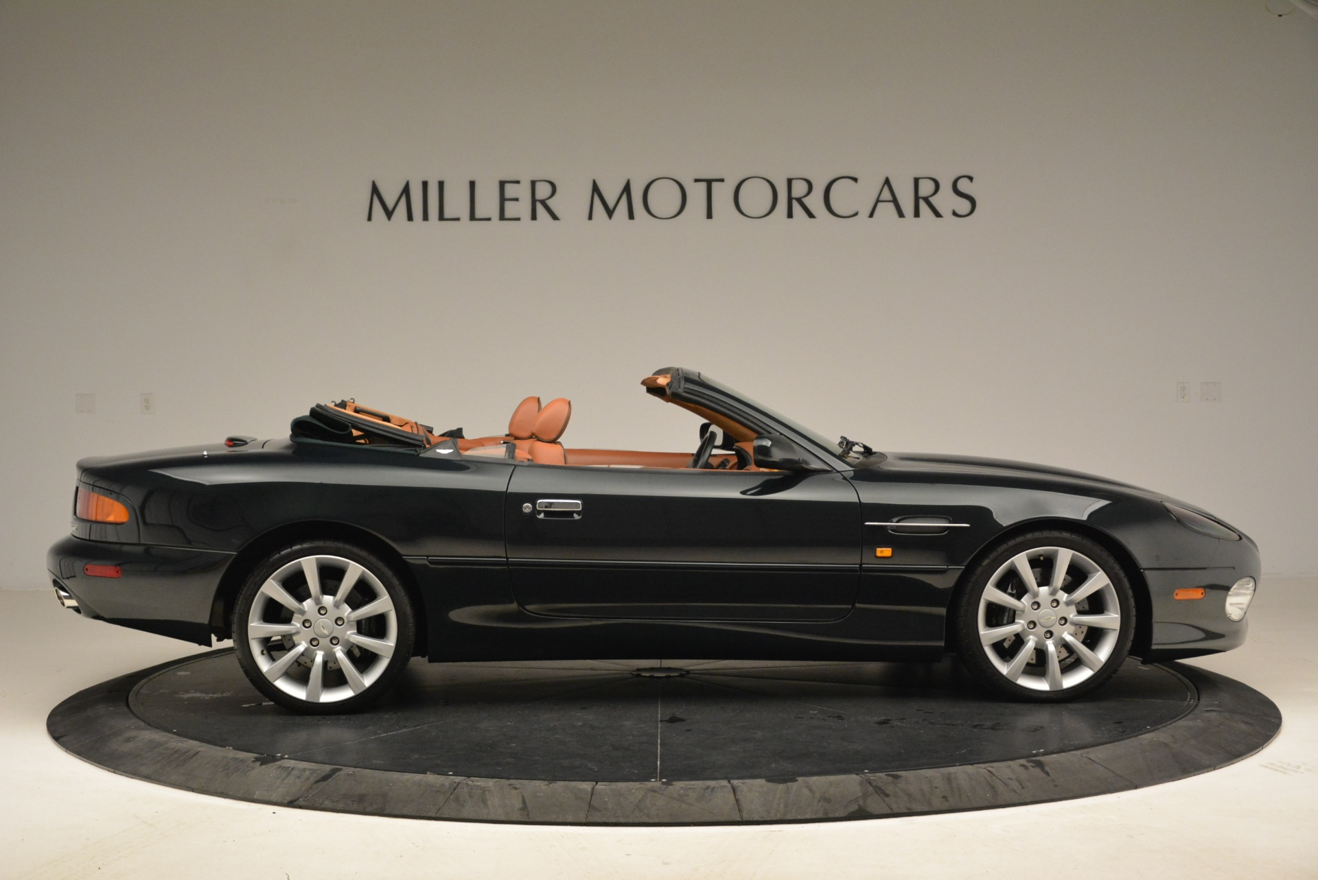 Used 2003 Aston Martin DB7 Vantage Volante For Sale In Greenwich, CT 2084_p9