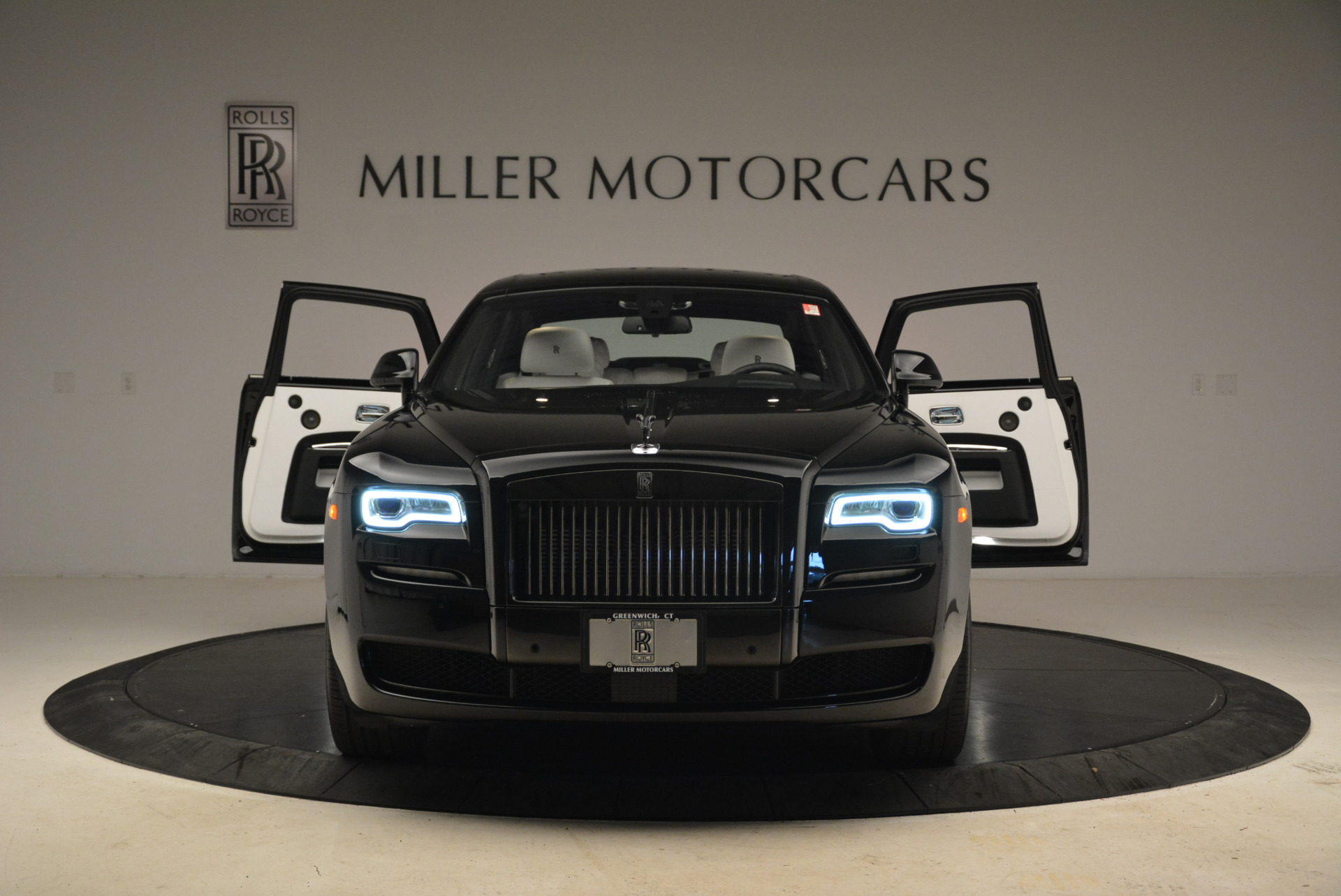 Used 2017 Rolls-Royce Ghost Black Badge For Sale In Greenwich, CT 2093_p13