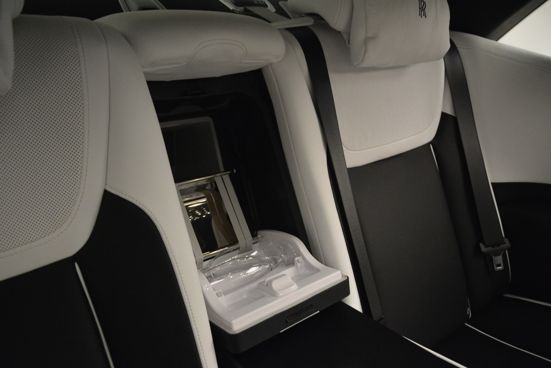 Used 2017 Rolls-Royce Ghost Black Badge For Sale In Greenwich, CT 2093_p31