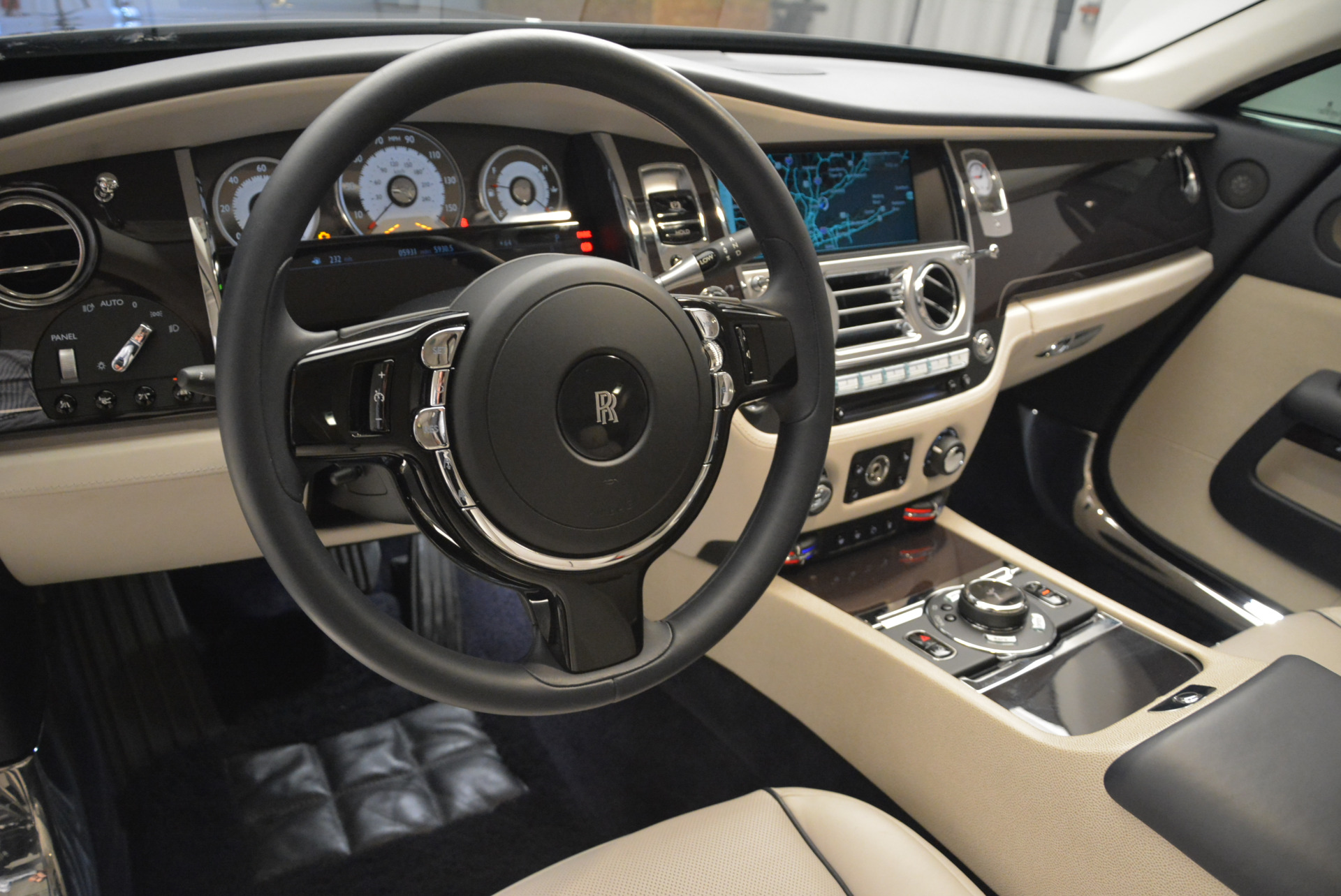 Used 2015 Rolls-Royce Wraith  For Sale In Greenwich, CT 2099_p16