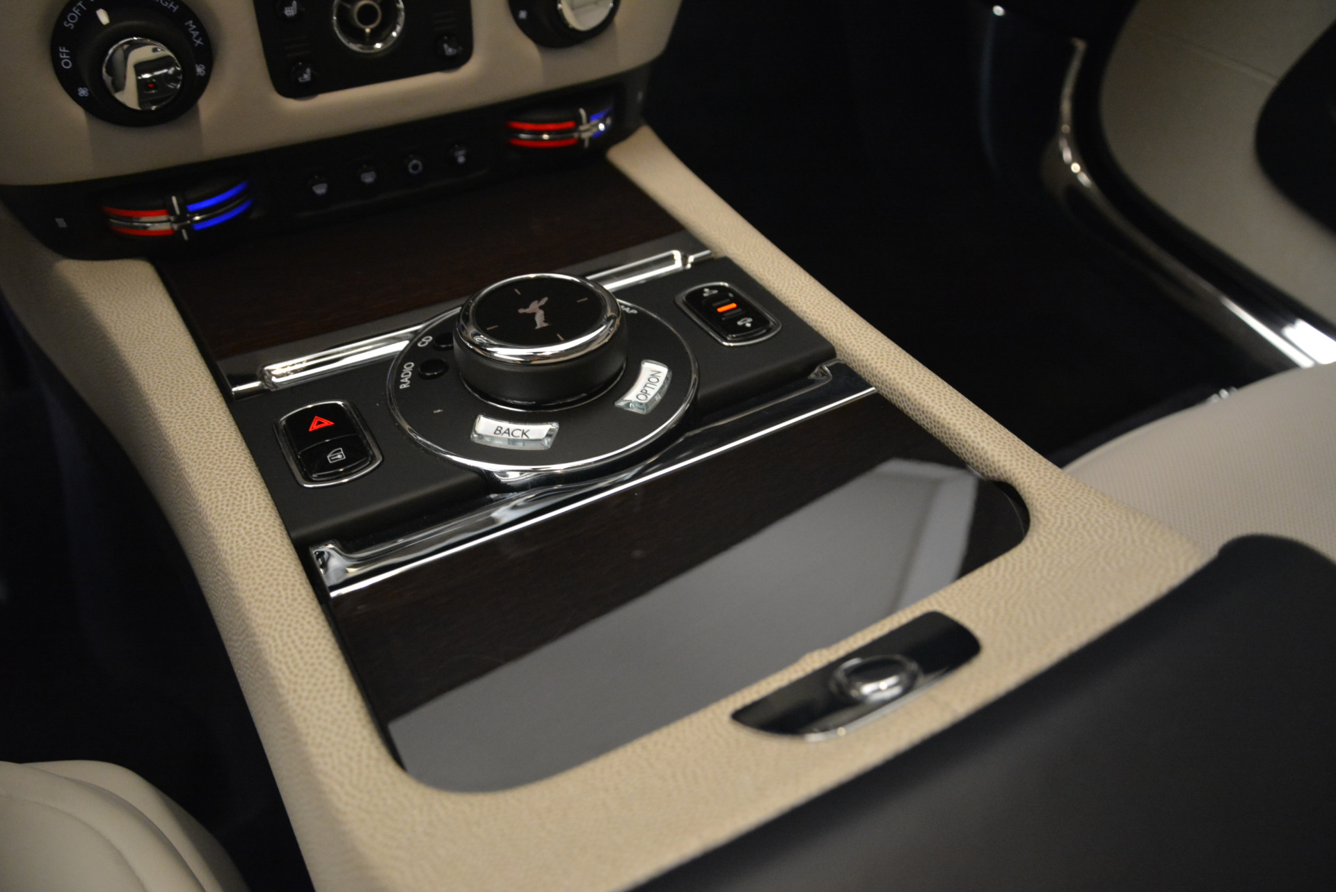 Used 2015 Rolls-Royce Wraith  For Sale In Greenwich, CT 2099_p19
