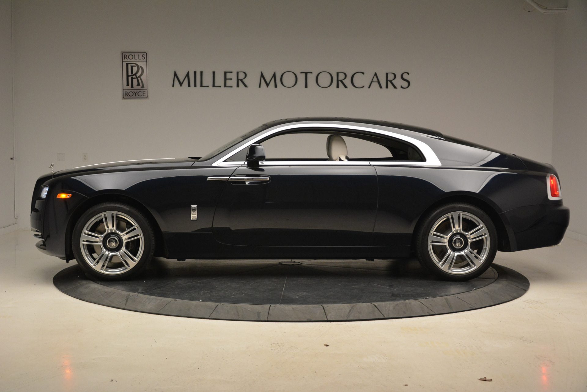 Used 2015 Rolls-Royce Wraith  For Sale In Greenwich, CT 2099_p3