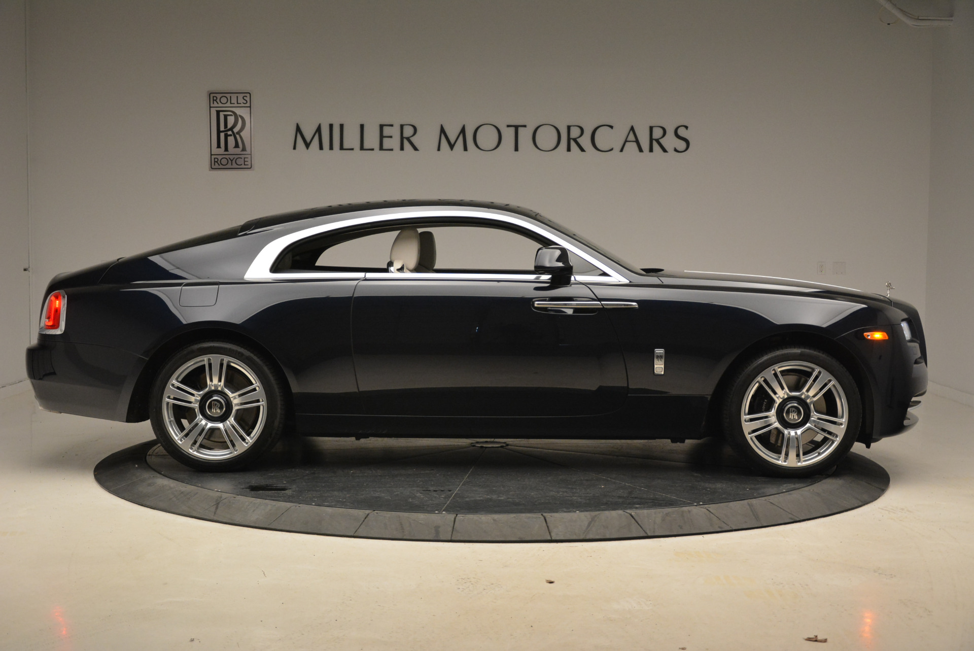 Used 2015 Rolls-Royce Wraith  For Sale In Greenwich, CT 2099_p9