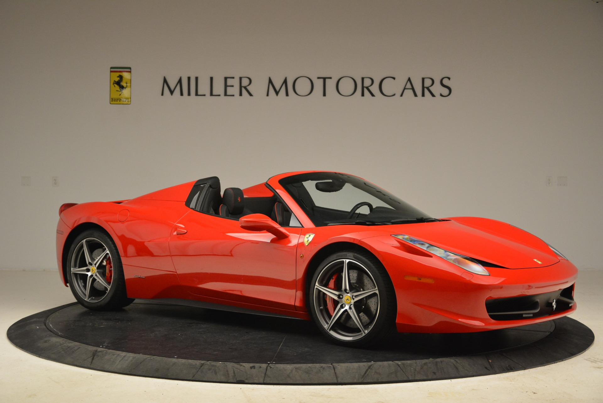 Used 2014 Ferrari 458 Spider  For Sale In Greenwich, CT 2100_p10