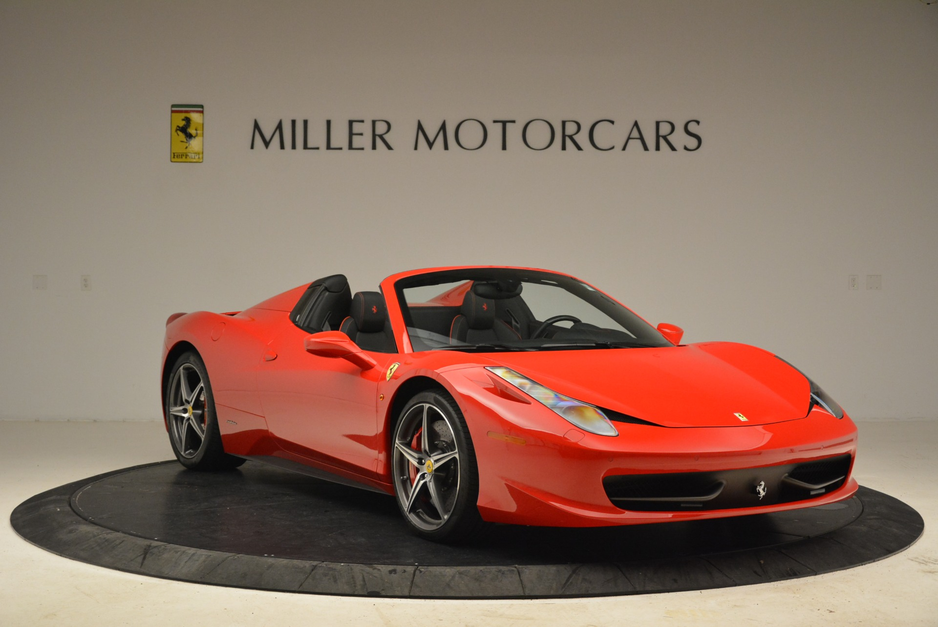 Used 2014 Ferrari 458 Spider  For Sale In Greenwich, CT 2100_p11