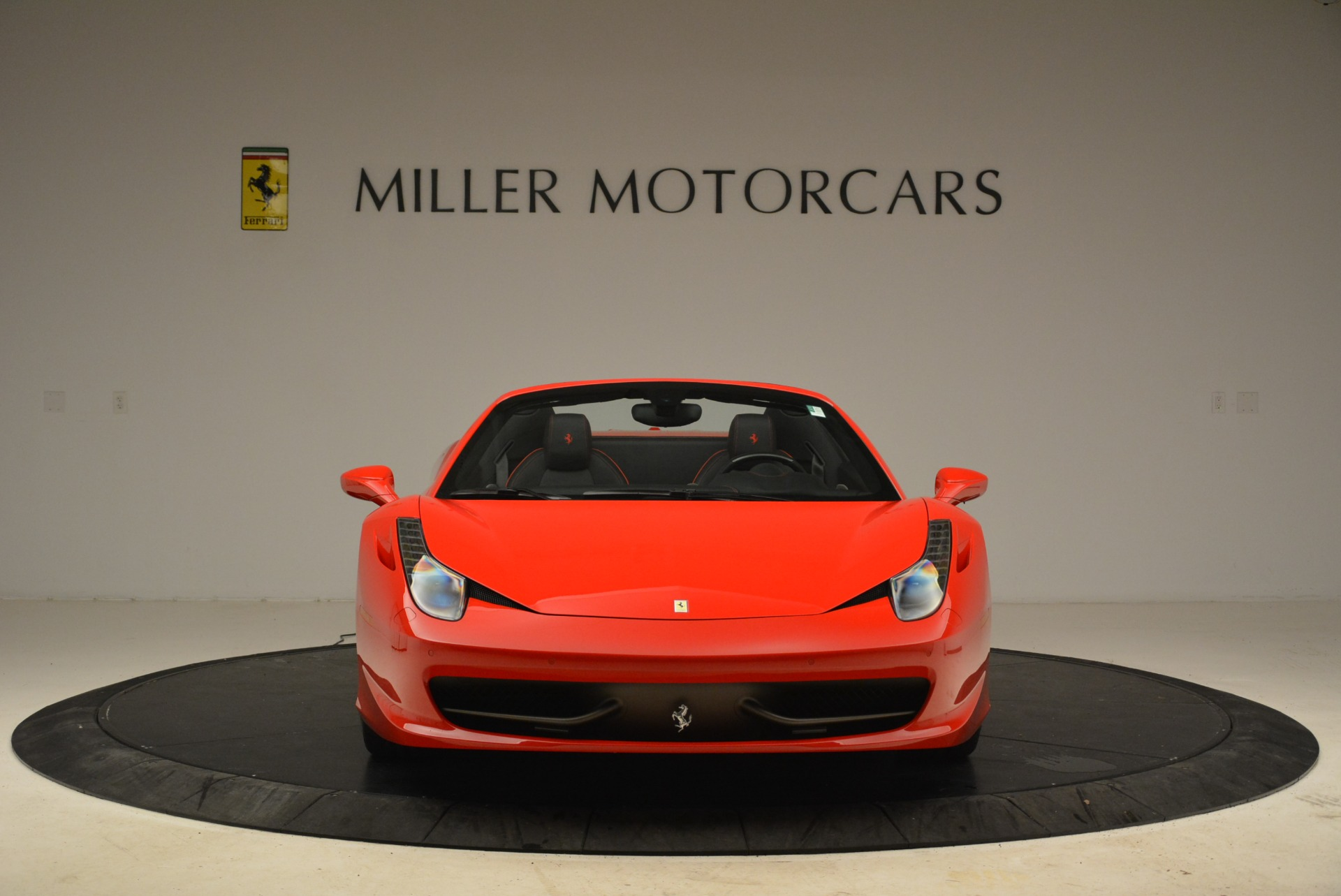 Used 2014 Ferrari 458 Spider  For Sale In Greenwich, CT 2100_p12