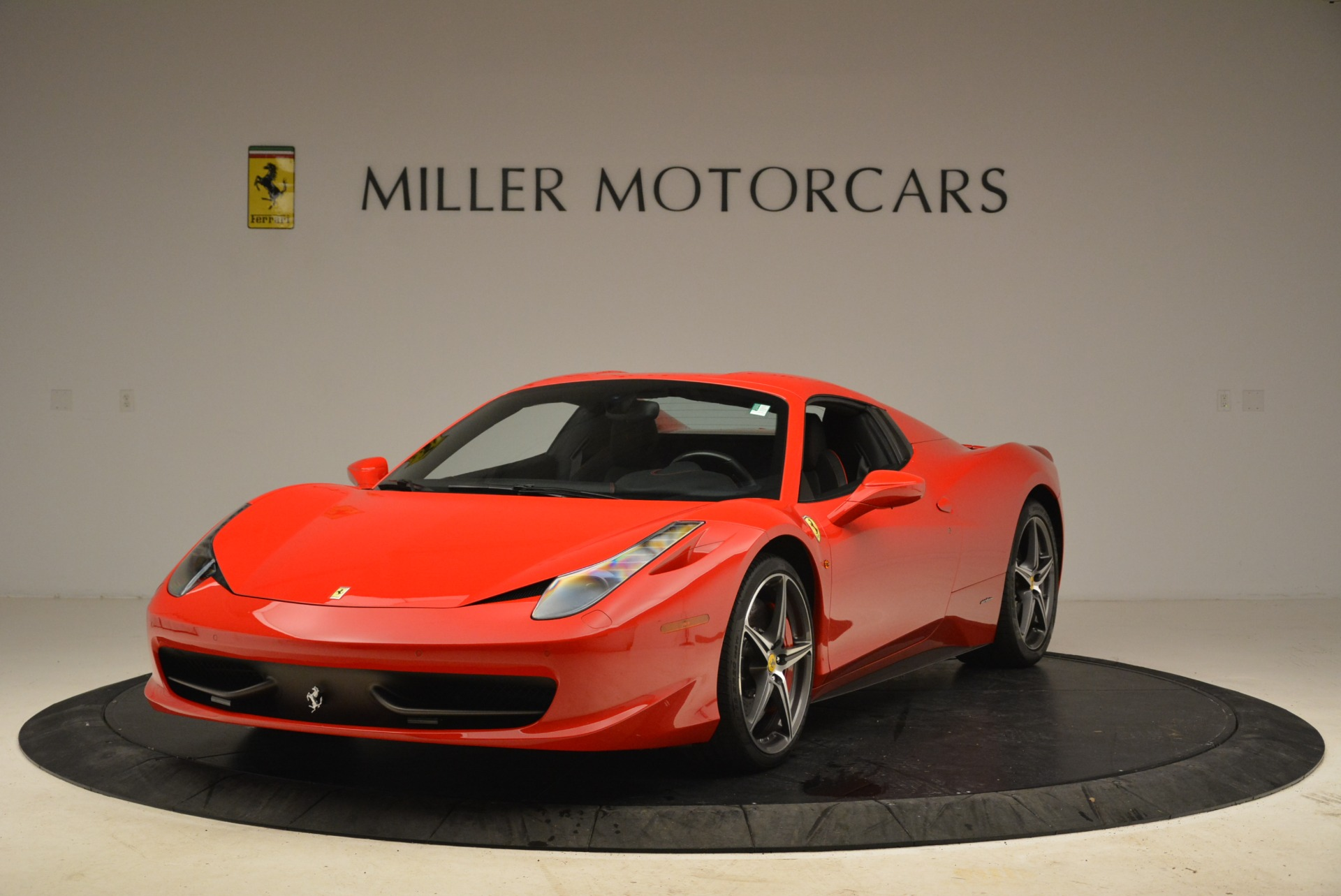 Used 2014 Ferrari 458 Spider  For Sale In Greenwich, CT 2100_p13