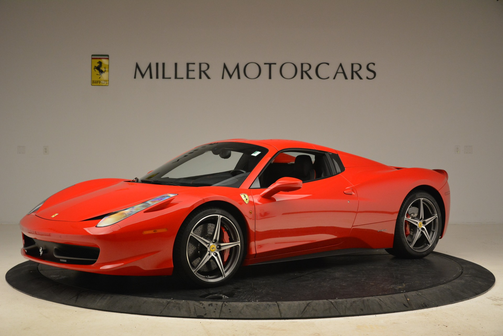 Used 2014 Ferrari 458 Spider  For Sale In Greenwich, CT 2100_p14