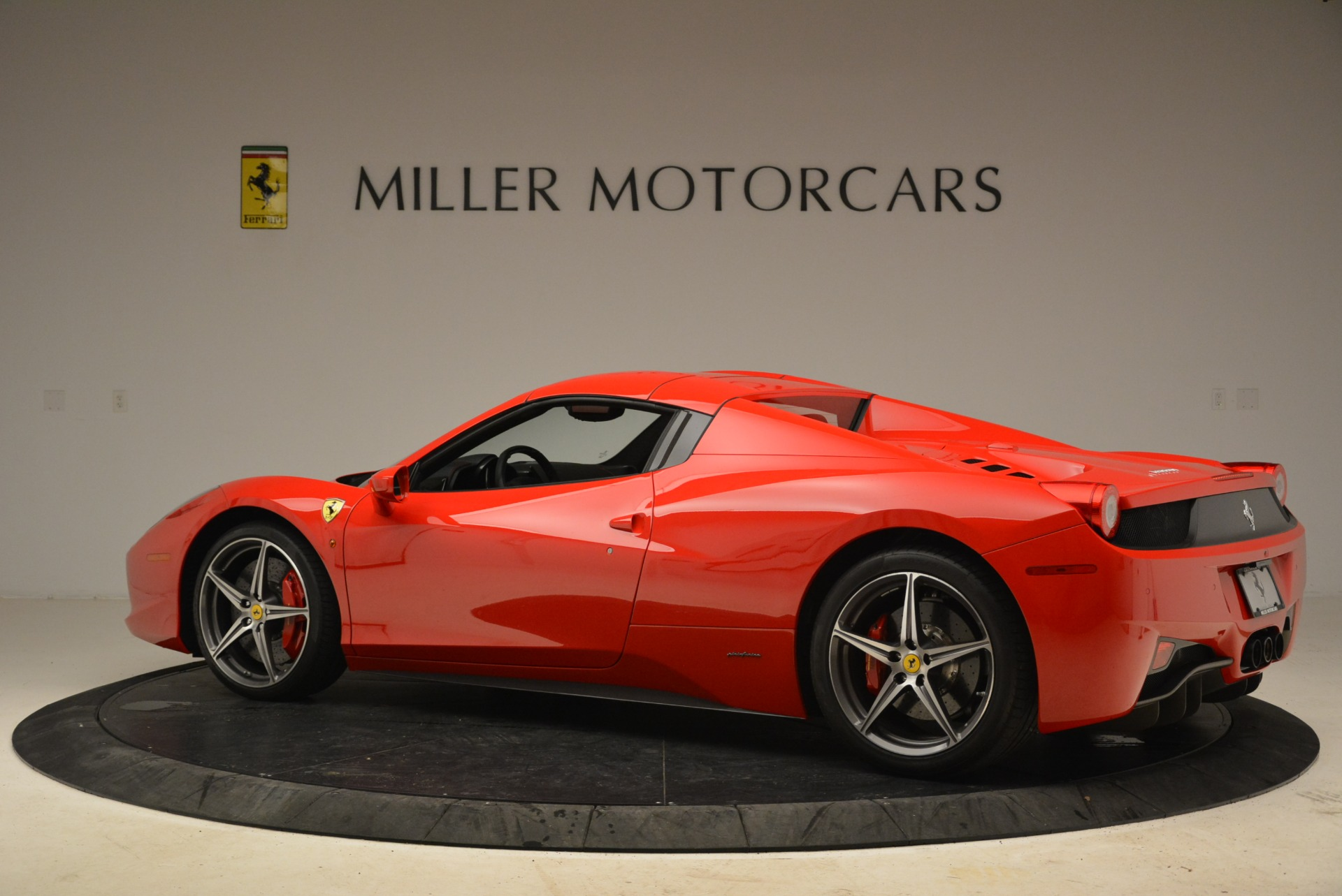 Used 2014 Ferrari 458 Spider  For Sale In Greenwich, CT 2100_p16