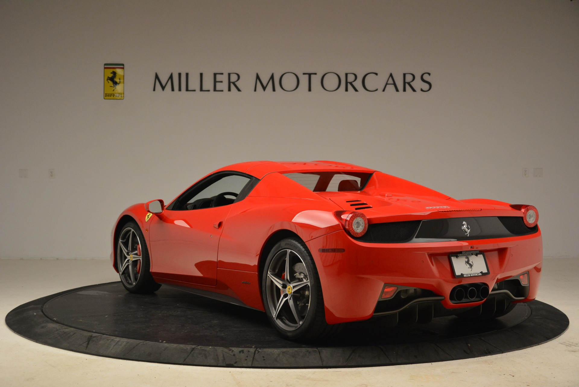 Used 2014 Ferrari 458 Spider  For Sale In Greenwich, CT 2100_p17