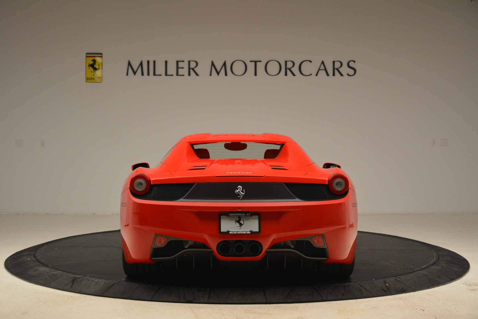 Used 2014 Ferrari 458 Spider  For Sale In Greenwich, CT 2100_p18