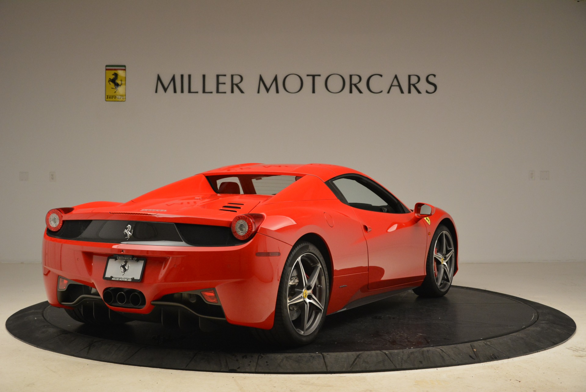 Used 2014 Ferrari 458 Spider  For Sale In Greenwich, CT 2100_p19