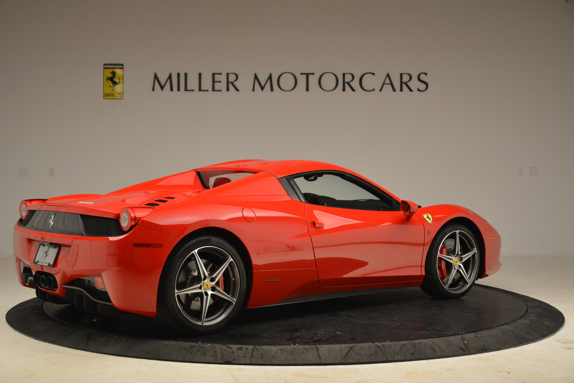 Used 2014 Ferrari 458 Spider  For Sale In Greenwich, CT 2100_p20