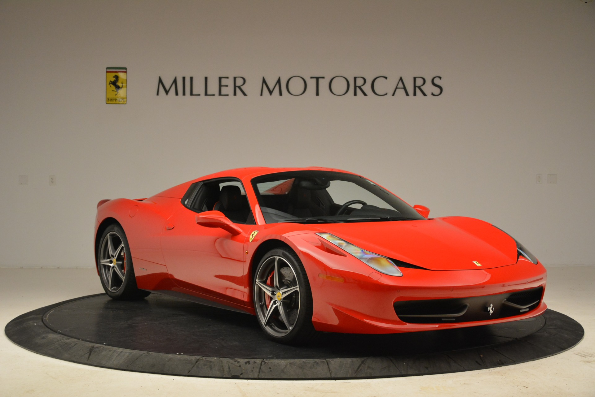 Used 2014 Ferrari 458 Spider  For Sale In Greenwich, CT 2100_p23