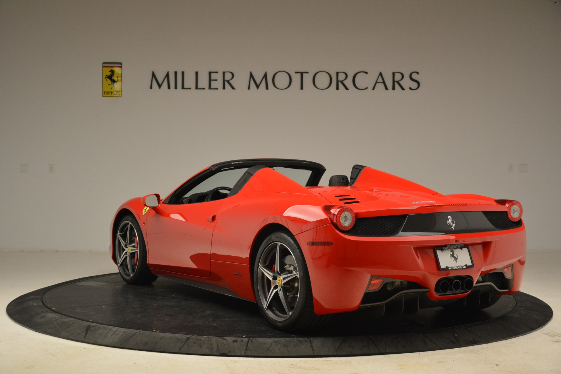 Used 2014 Ferrari 458 Spider  For Sale In Greenwich, CT 2100_p5