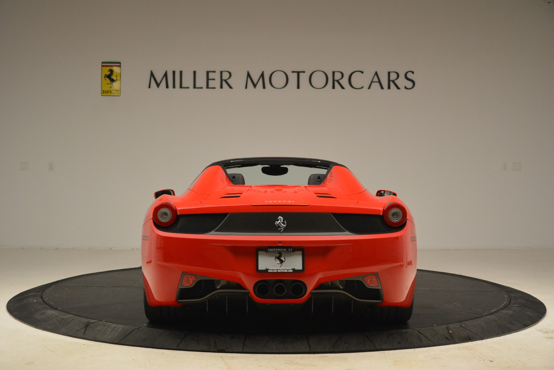 Used 2014 Ferrari 458 Spider  For Sale In Greenwich, CT 2100_p6