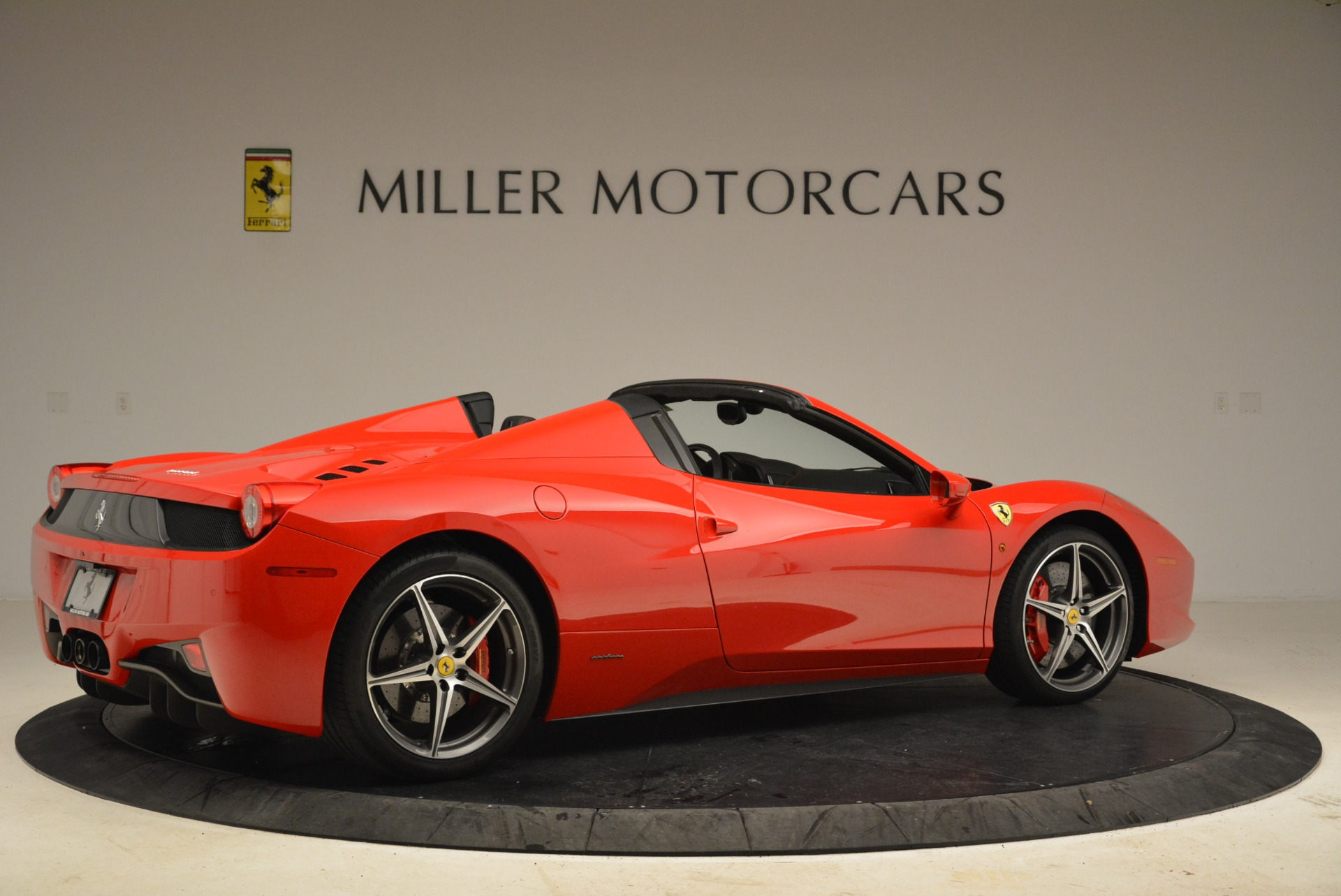 Used 2014 Ferrari 458 Spider  For Sale In Greenwich, CT 2100_p8