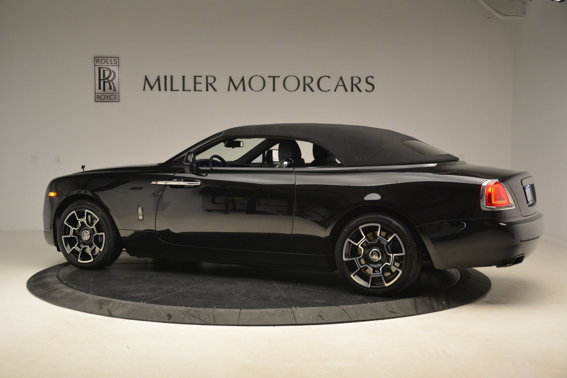 New 2018 Rolls-Royce Dawn Black Badge For Sale In Greenwich, CT 2102_p15