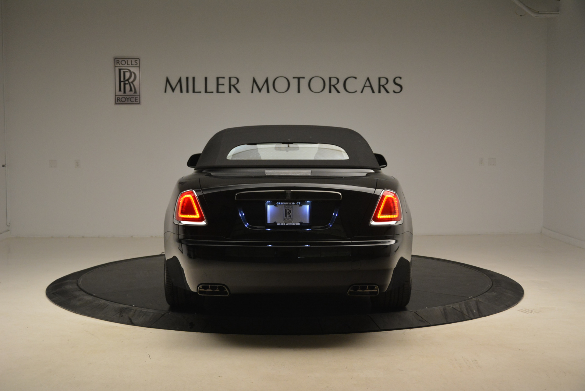 New 2018 Rolls-Royce Dawn Black Badge For Sale In Greenwich, CT 2102_p17