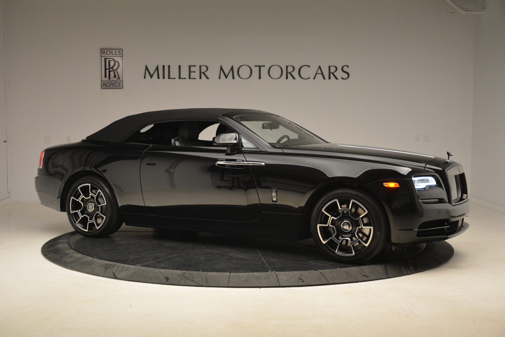 New 2018 Rolls-Royce Dawn Black Badge For Sale In Greenwich, CT 2102_p21