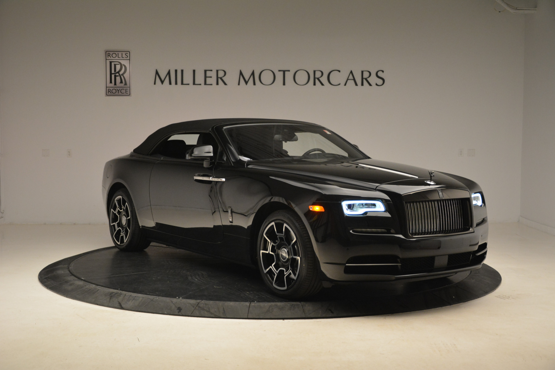New 2018 Rolls-Royce Dawn Black Badge For Sale In Greenwich, CT 2102_p22