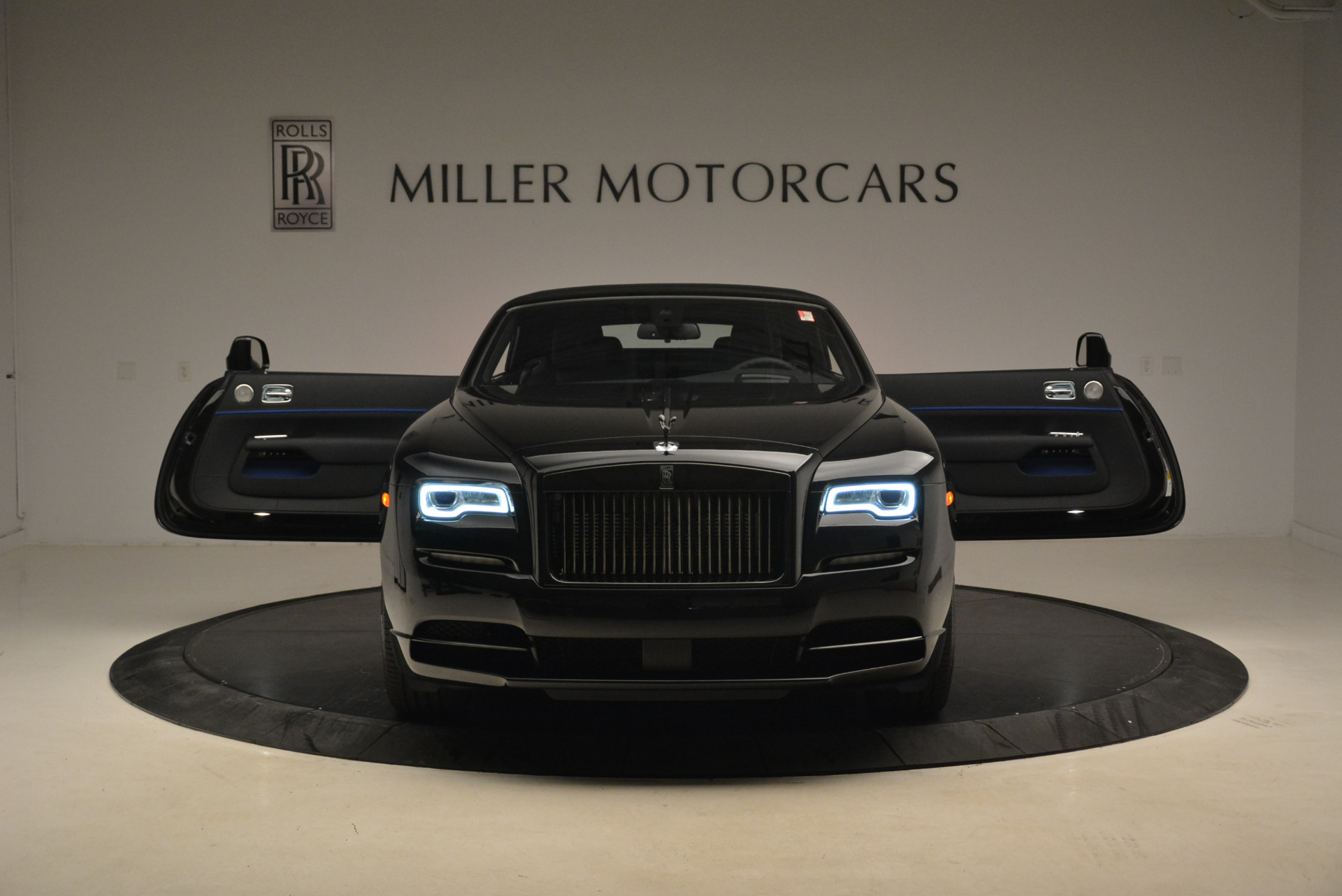 New 2018 Rolls-Royce Dawn Black Badge For Sale In Greenwich, CT 2102_p24
