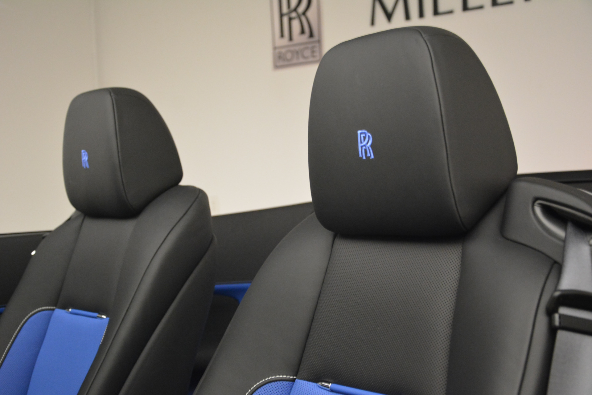 New 2018 Rolls-Royce Dawn Black Badge For Sale In Greenwich, CT 2102_p28