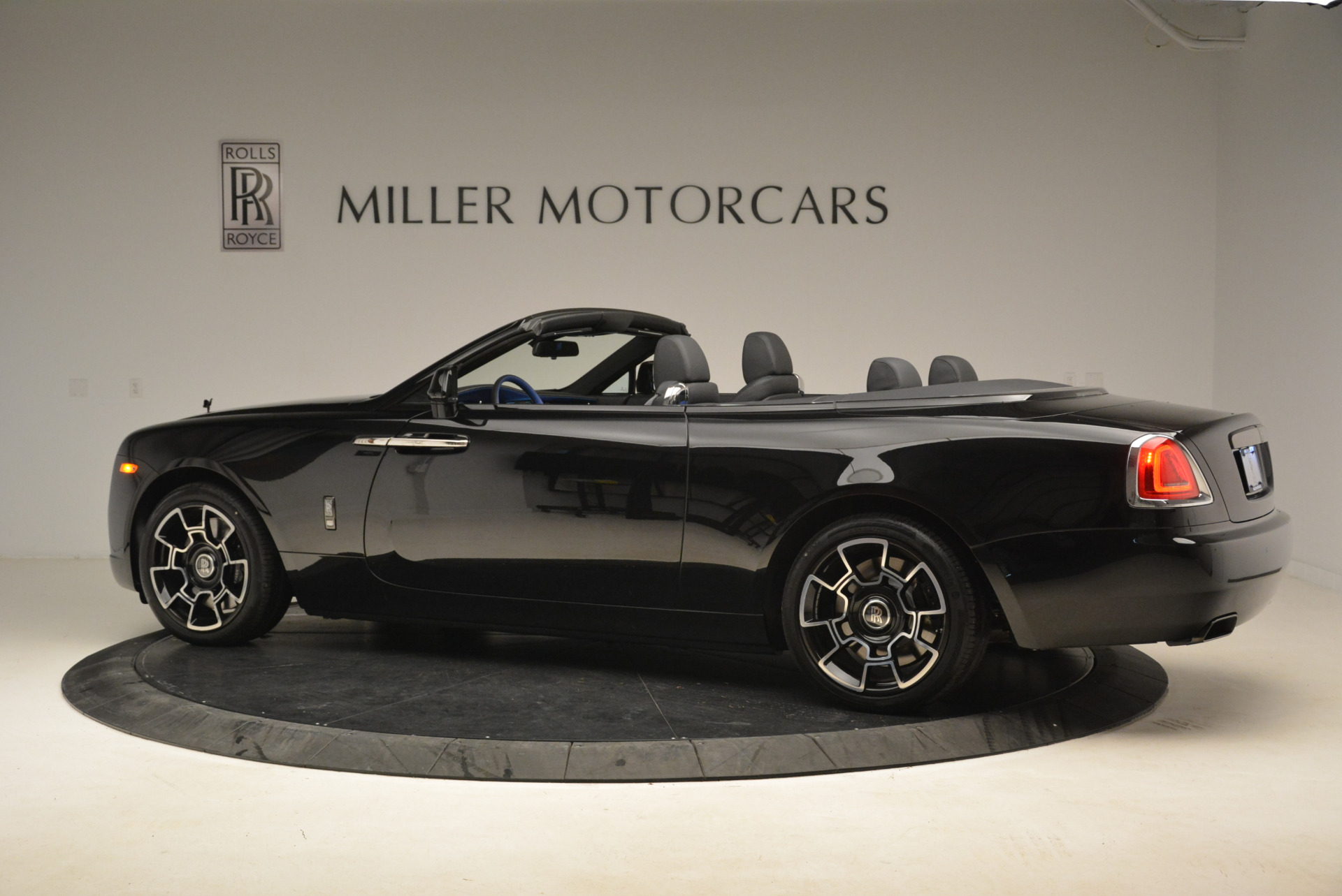 New 2018 Rolls-Royce Dawn Black Badge For Sale In Greenwich, CT 2102_p4