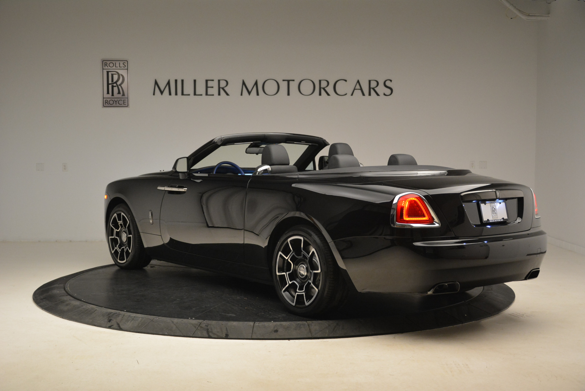 New 2018 Rolls-Royce Dawn Black Badge For Sale In Greenwich, CT 2102_p5